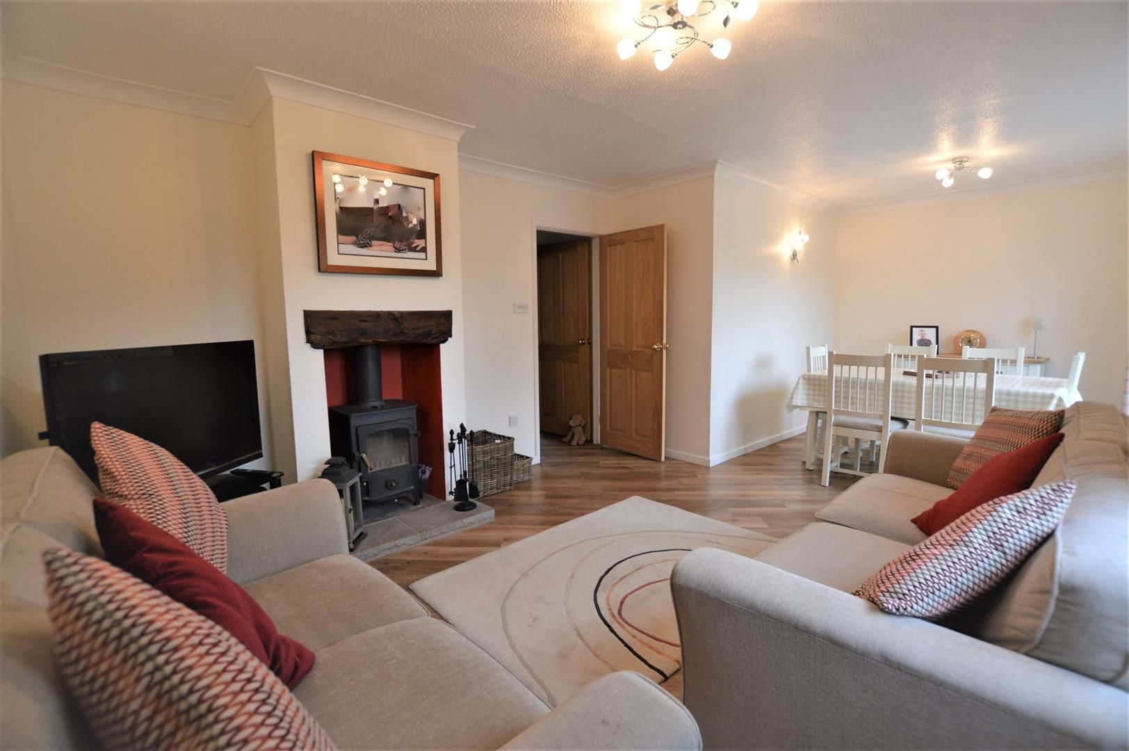 4 bed semi-detached for sale in Luston 3
