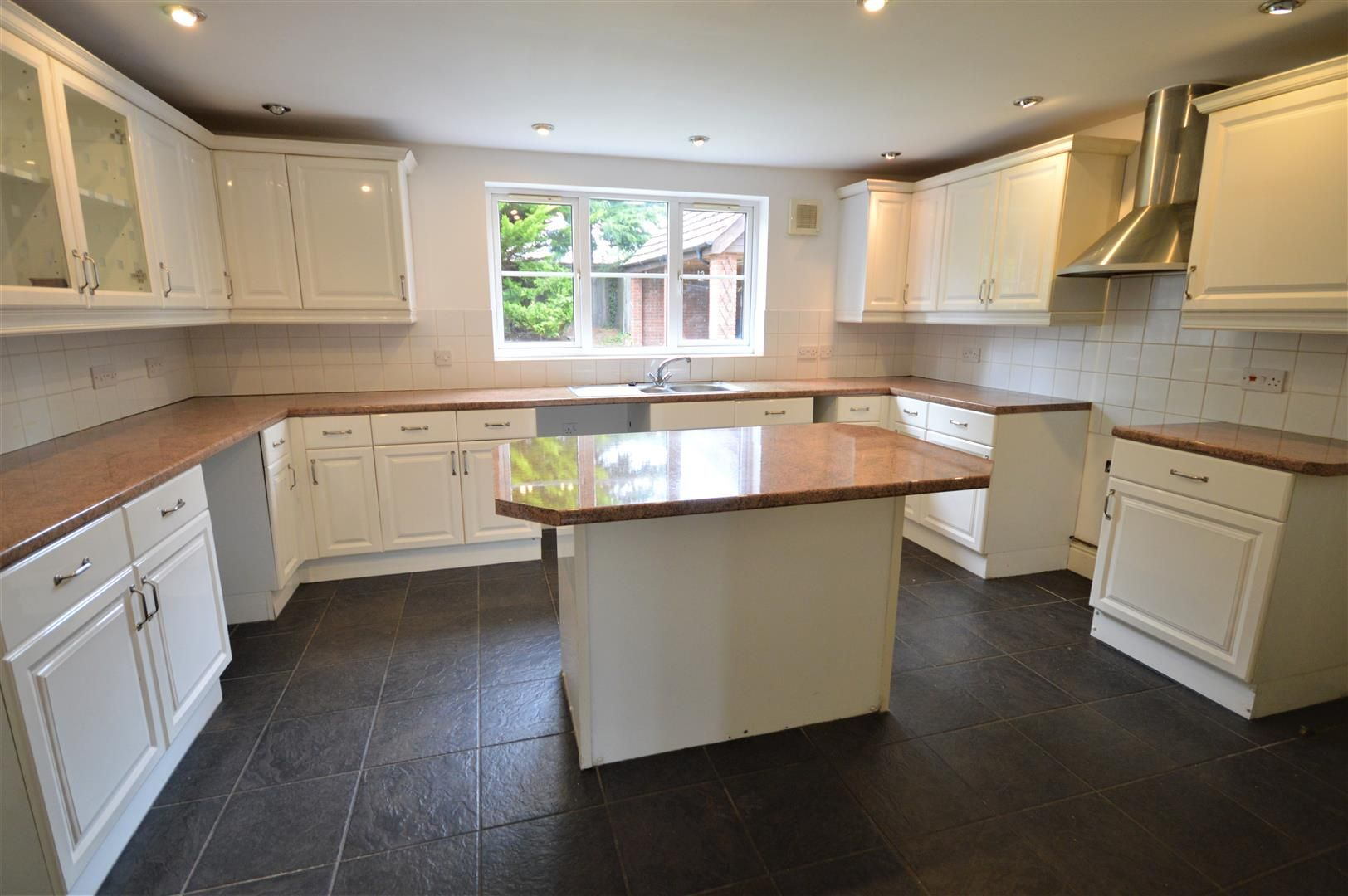 4 bed detached for sale in Leominster  - Property Image 2