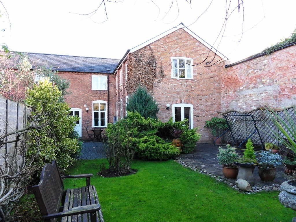 4 bed semi-detached for sale in Nr Madley 2