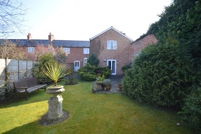 4 bed semi-detached for sale in Nr Madley 16