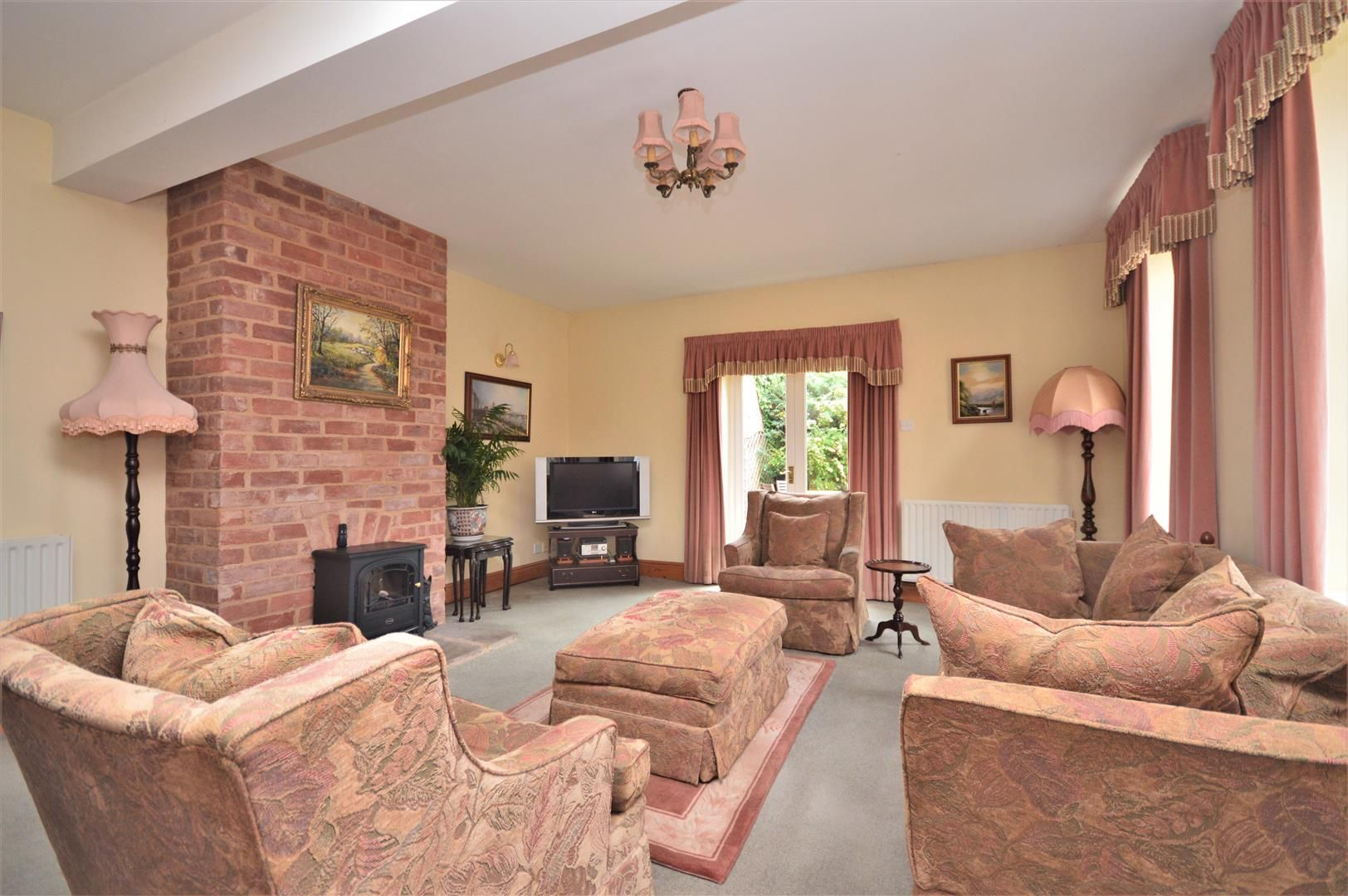 4 bed semi-detached for sale in Nr Madley 6