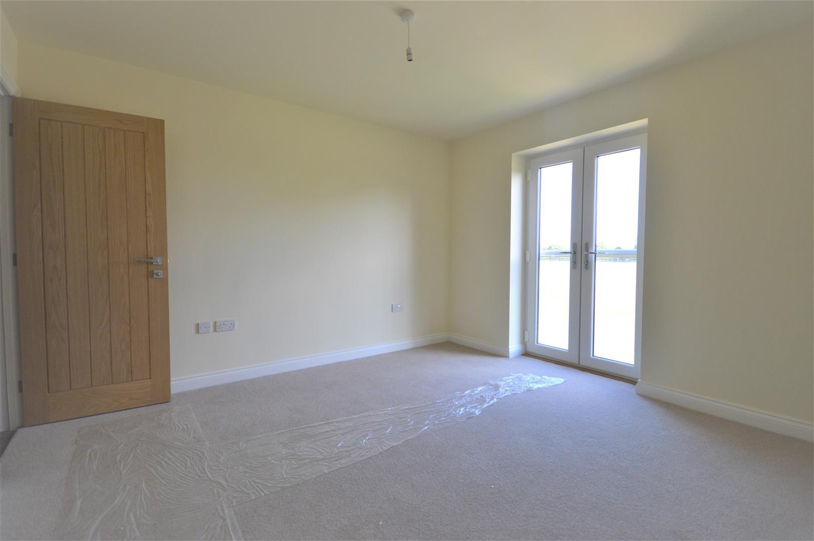 4 bed detached for sale in Kingsland 5