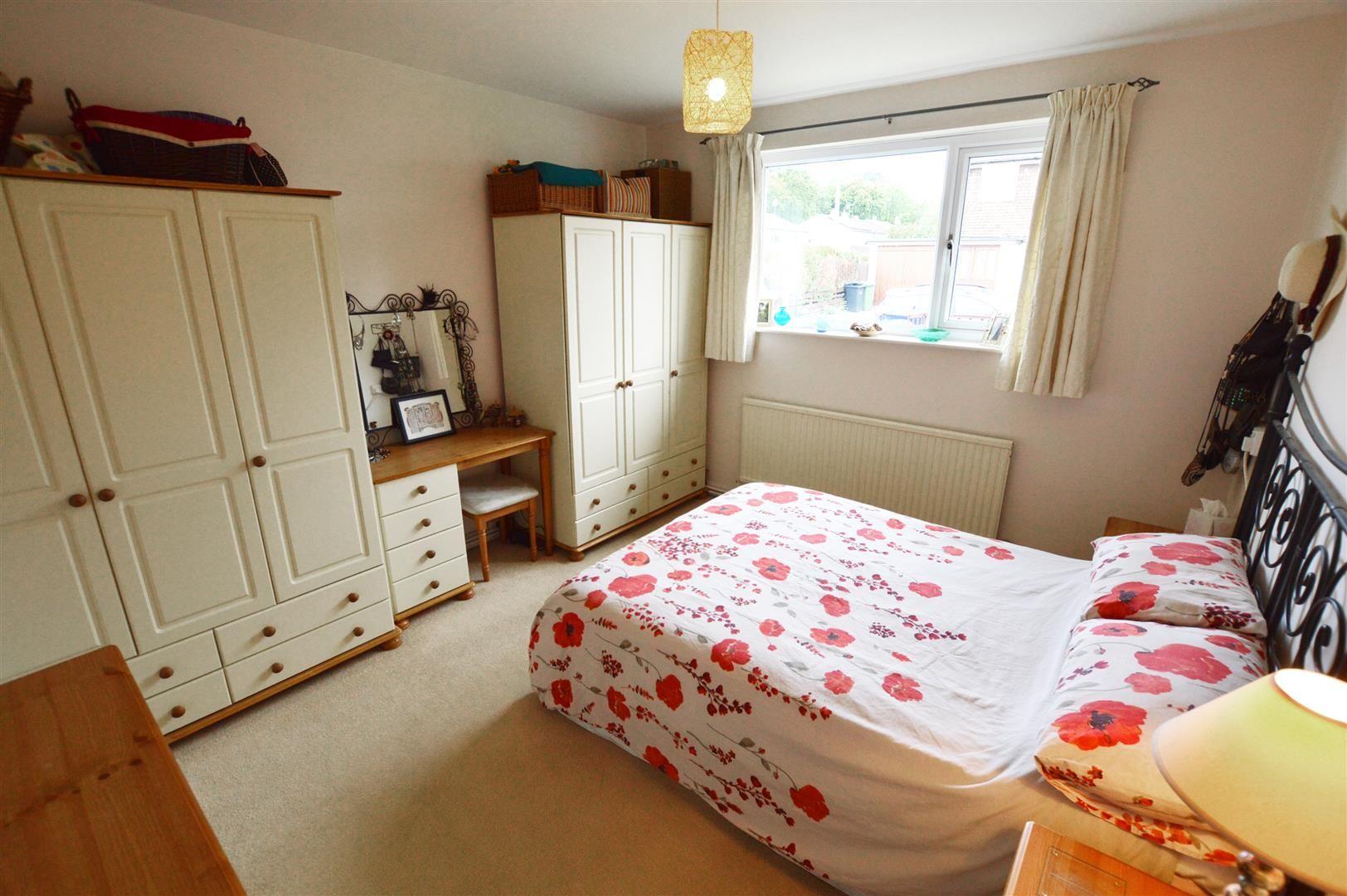 3 bed semi-detached-bungalow for sale in Shobdon 5