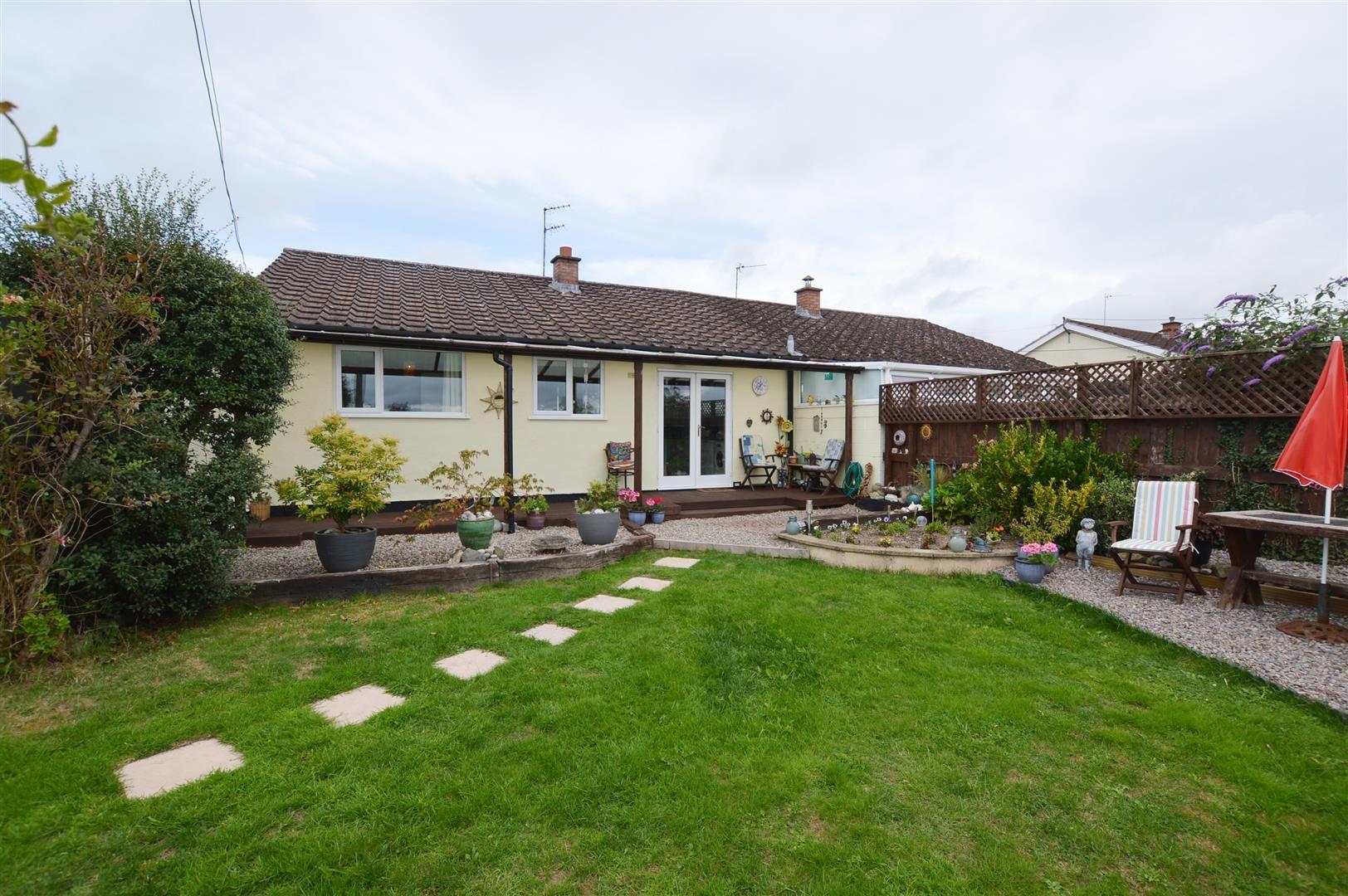 3 bed semi-detached-bungalow for sale in Shobdon 9
