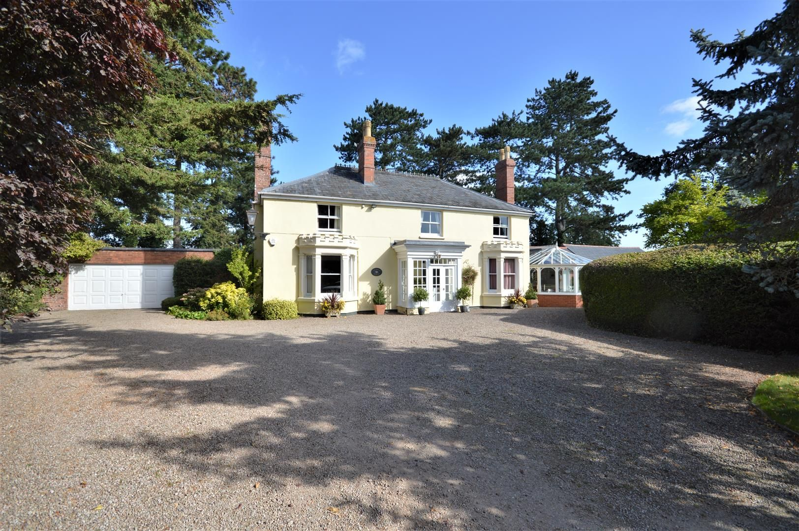 5 bed detached for sale in Stretton Sugwas 2