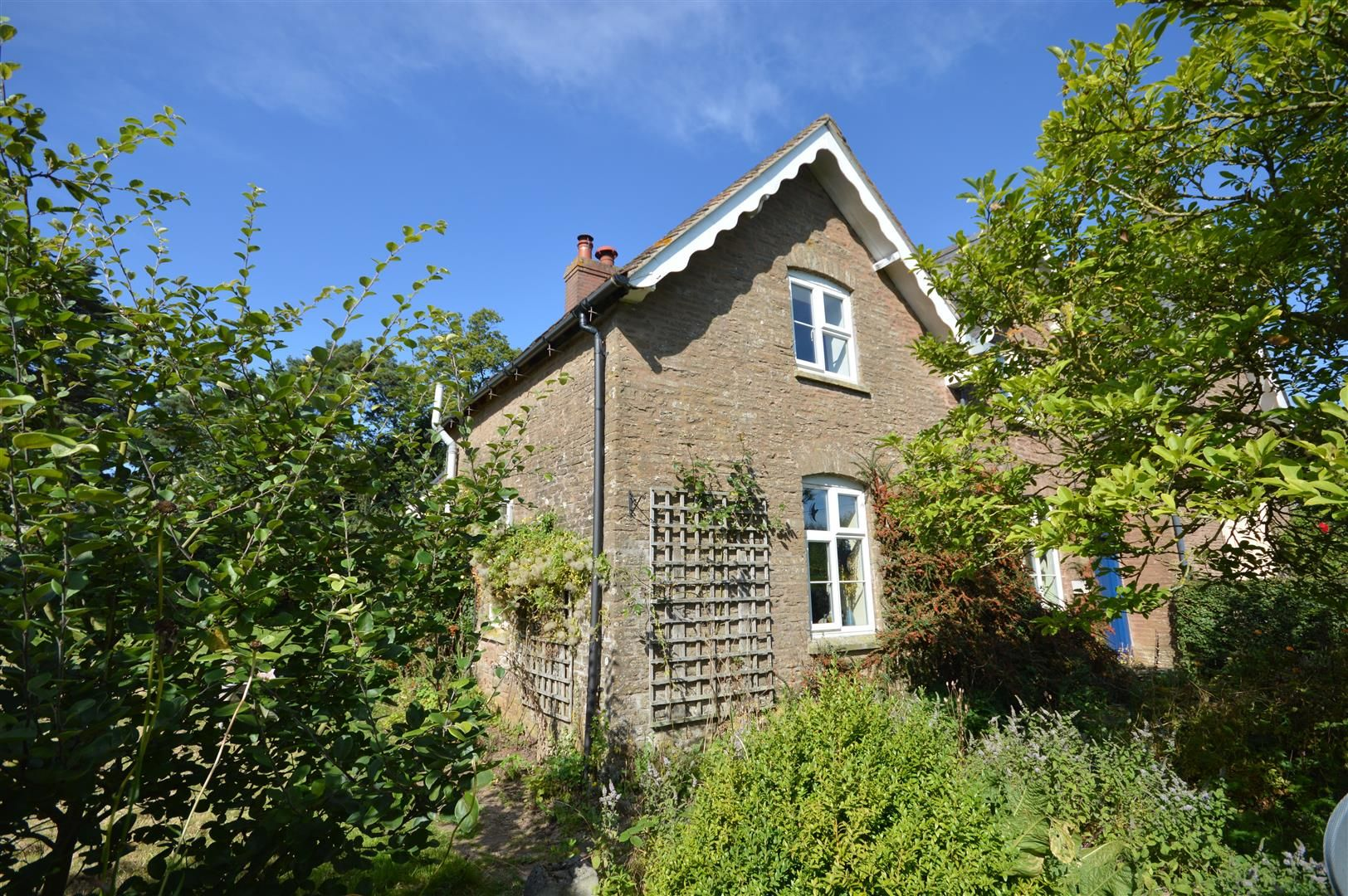 3 bed semi-detached for sale in Hatfield, HR6