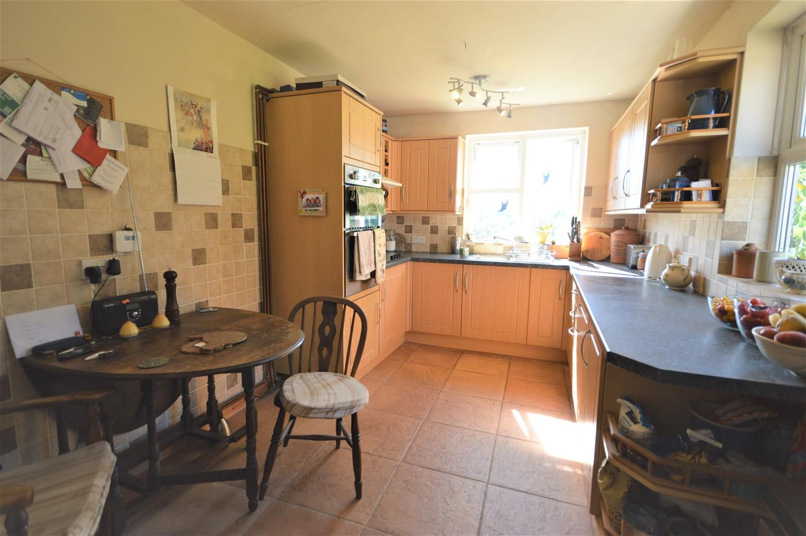 3 bed semi-detached for sale in Hatfield 2