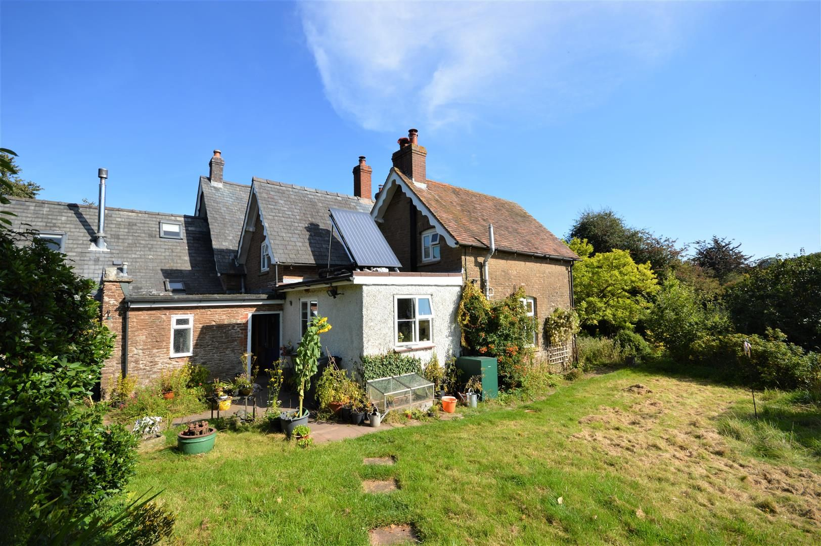 3 bed semi-detached for sale in Hatfield 16
