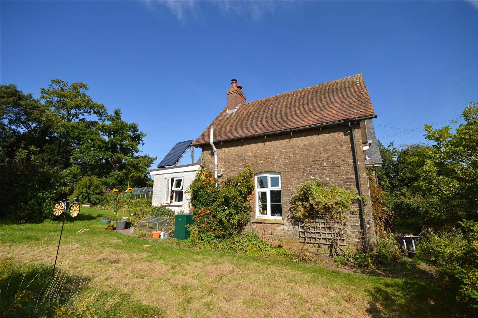 3 bed semi-detached for sale in Hatfield 17