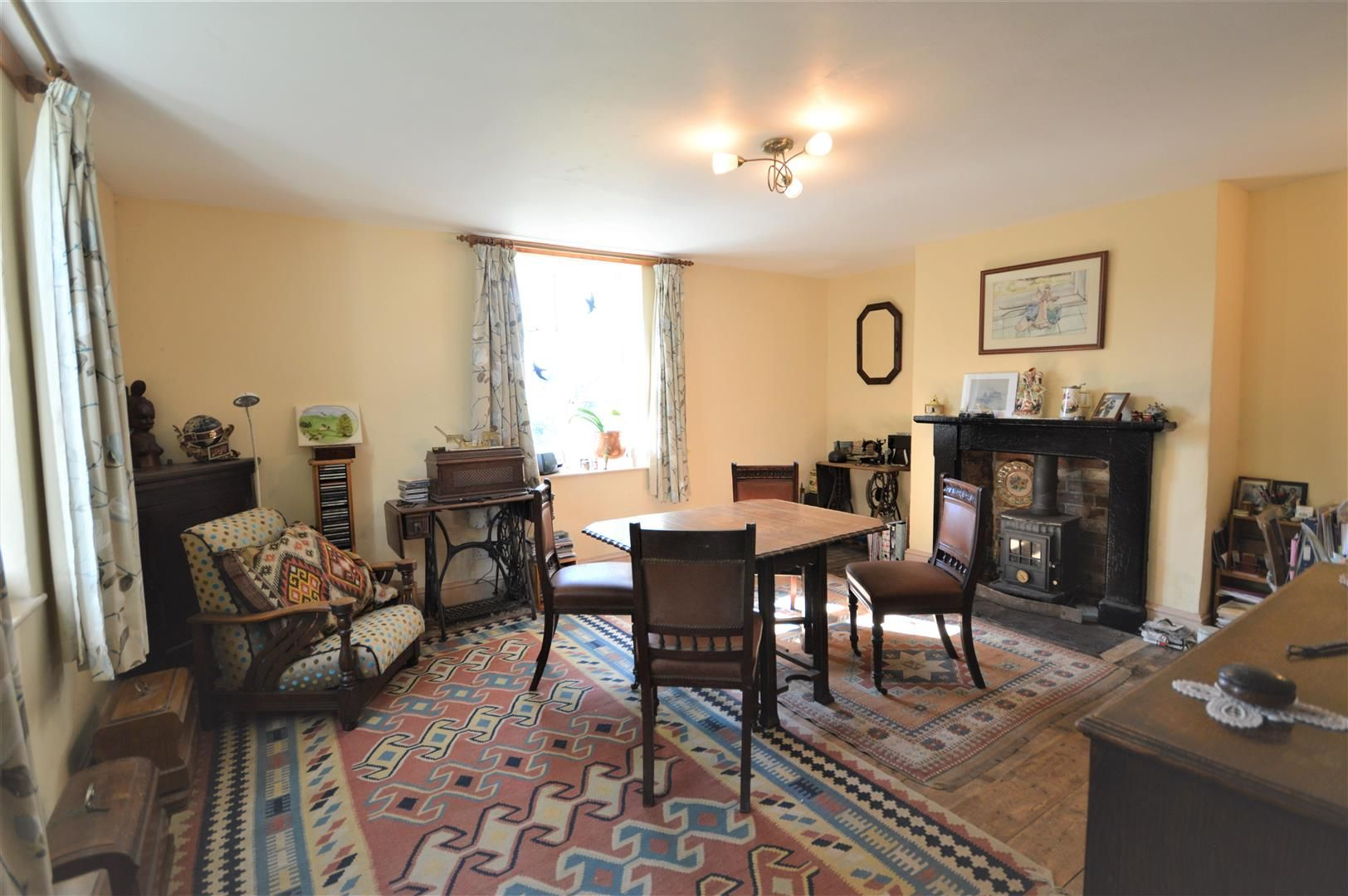 3 bed semi-detached for sale in Hatfield 3