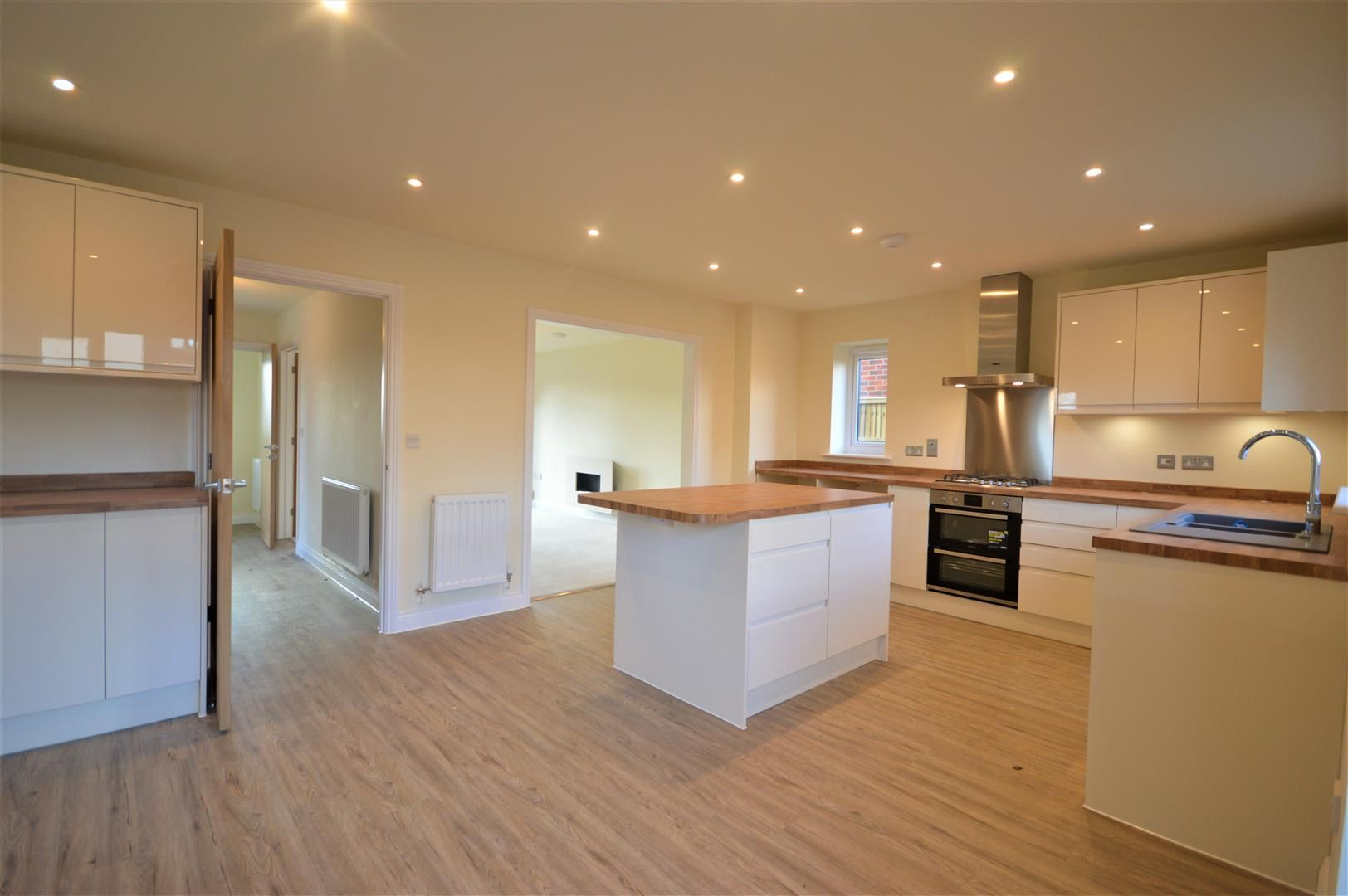 4 bed detached for sale in Kingsland  - Property Image 3