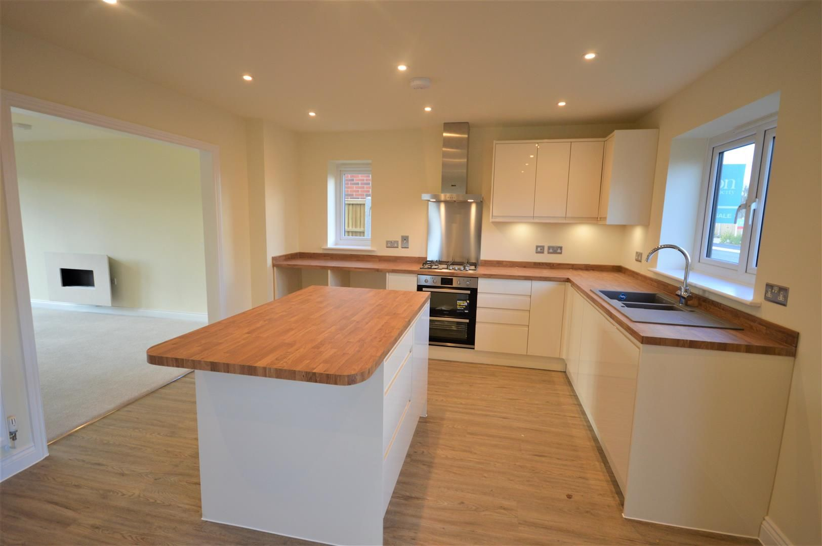 4 bed detached for sale in Kingsland 4