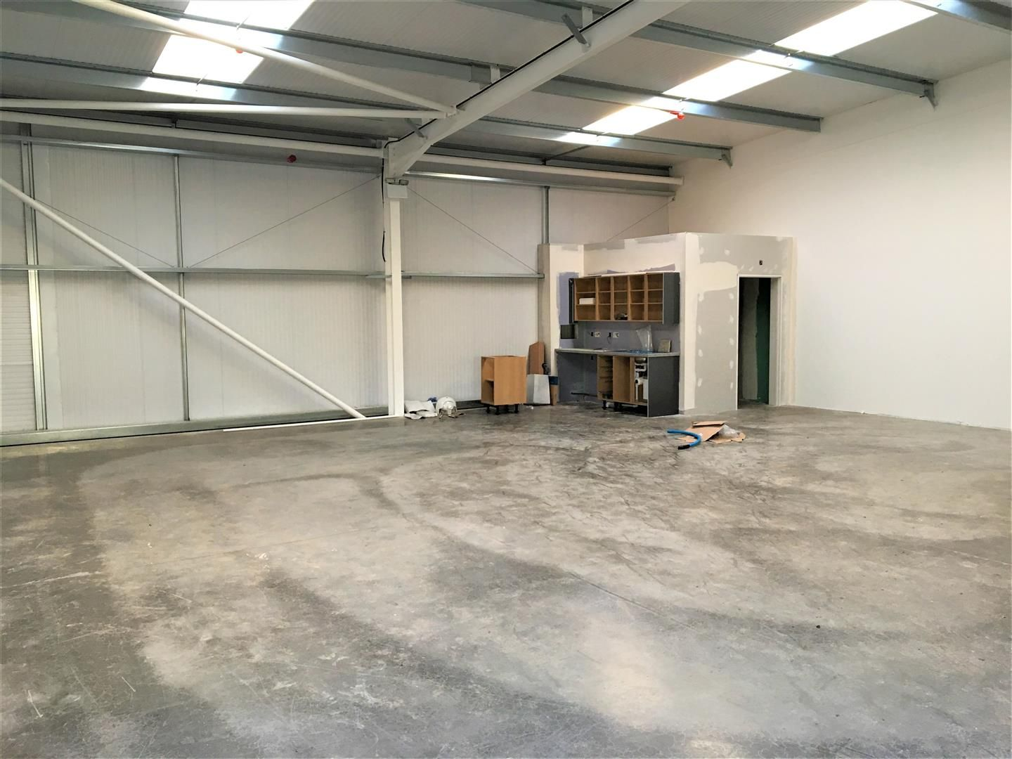 Warehouse to rent 2