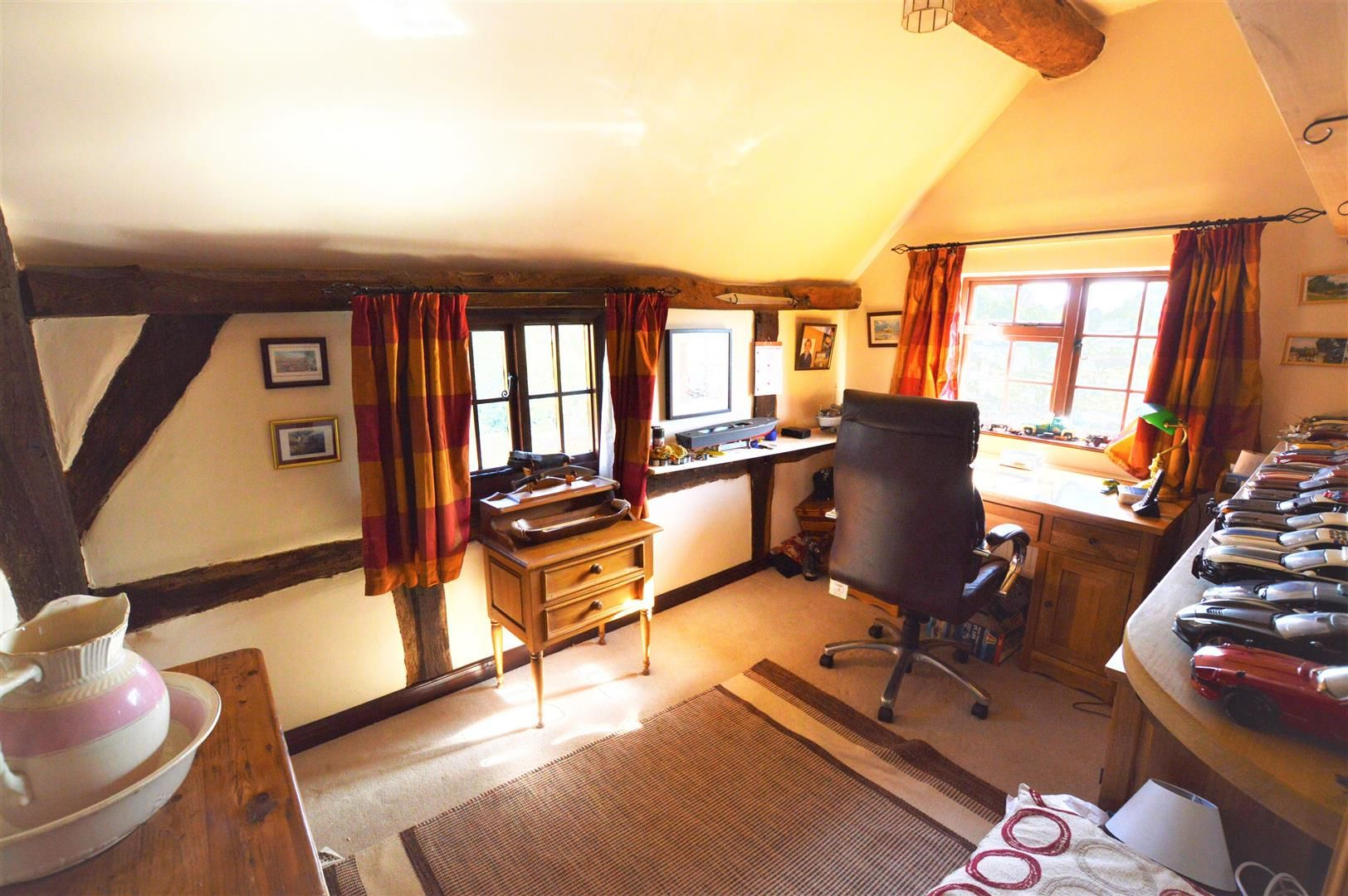 3 bed cottage for sale in Sutton St. Nicholas 9