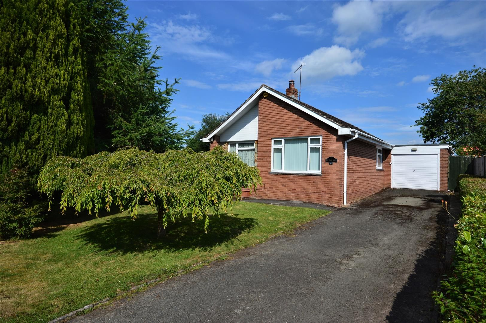 2 bed detached-bungalow for sale in Pembridge, HR6