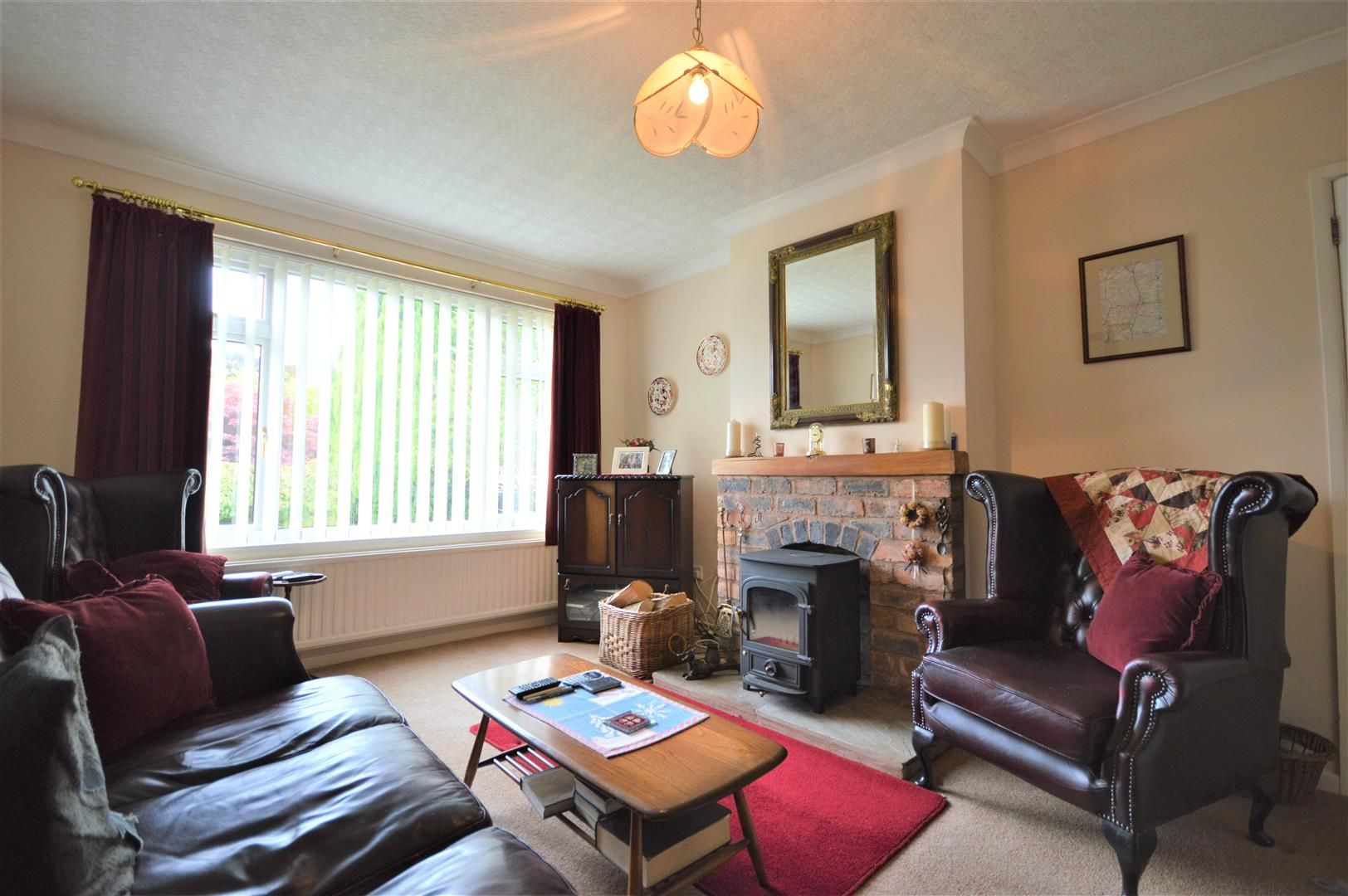 2 bed detached-bungalow for sale in Pembridge  - Property Image 2