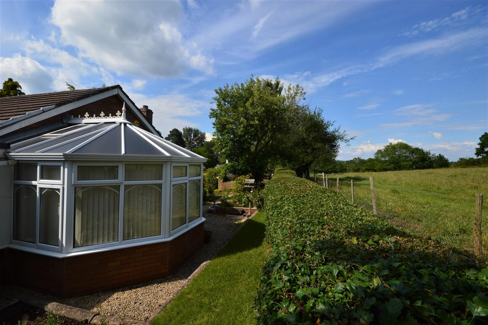 2 bed detached-bungalow for sale in Pembridge 14