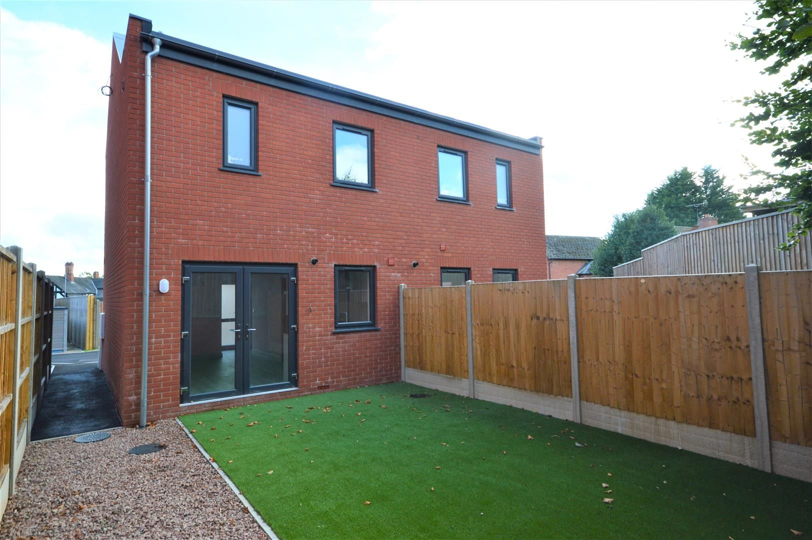2 bed semi-detached for sale in Leominster 13