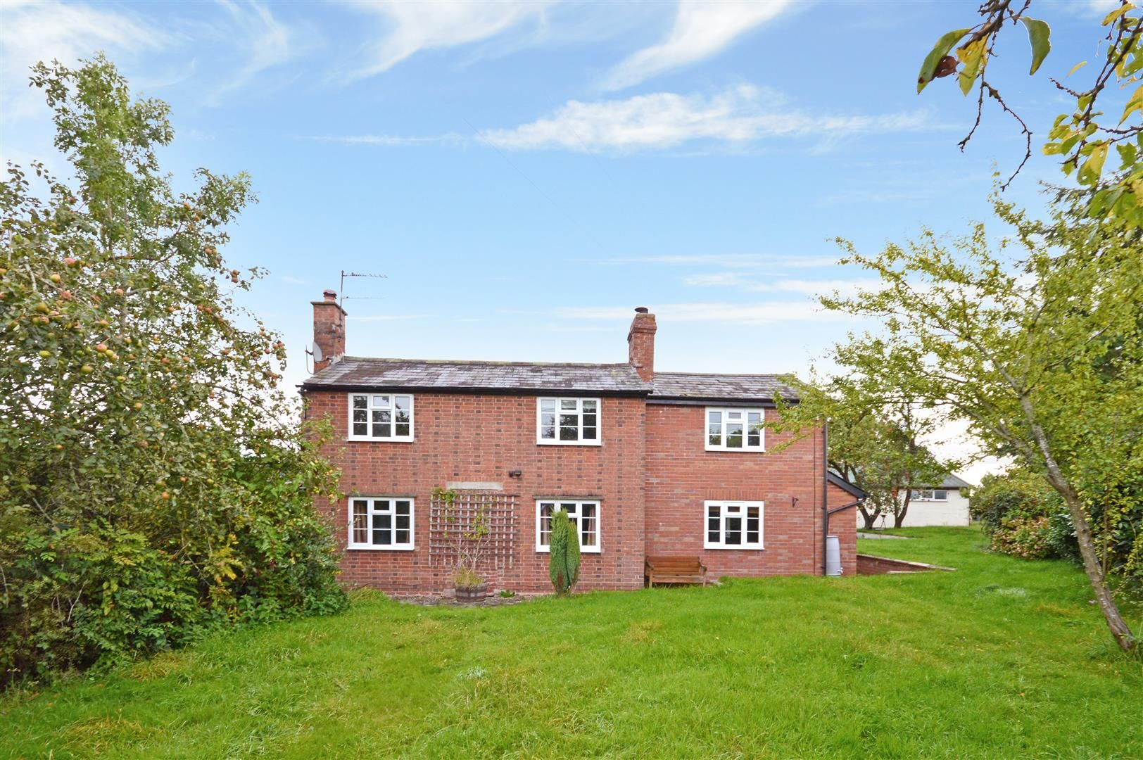 4 bed detached for sale in Ullingswick 3