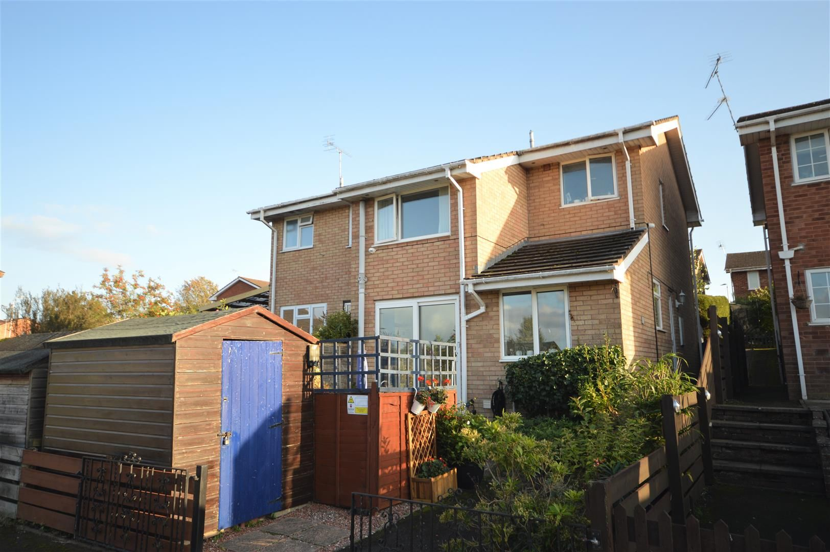 3 bed semi-detached for sale in Leominster 9