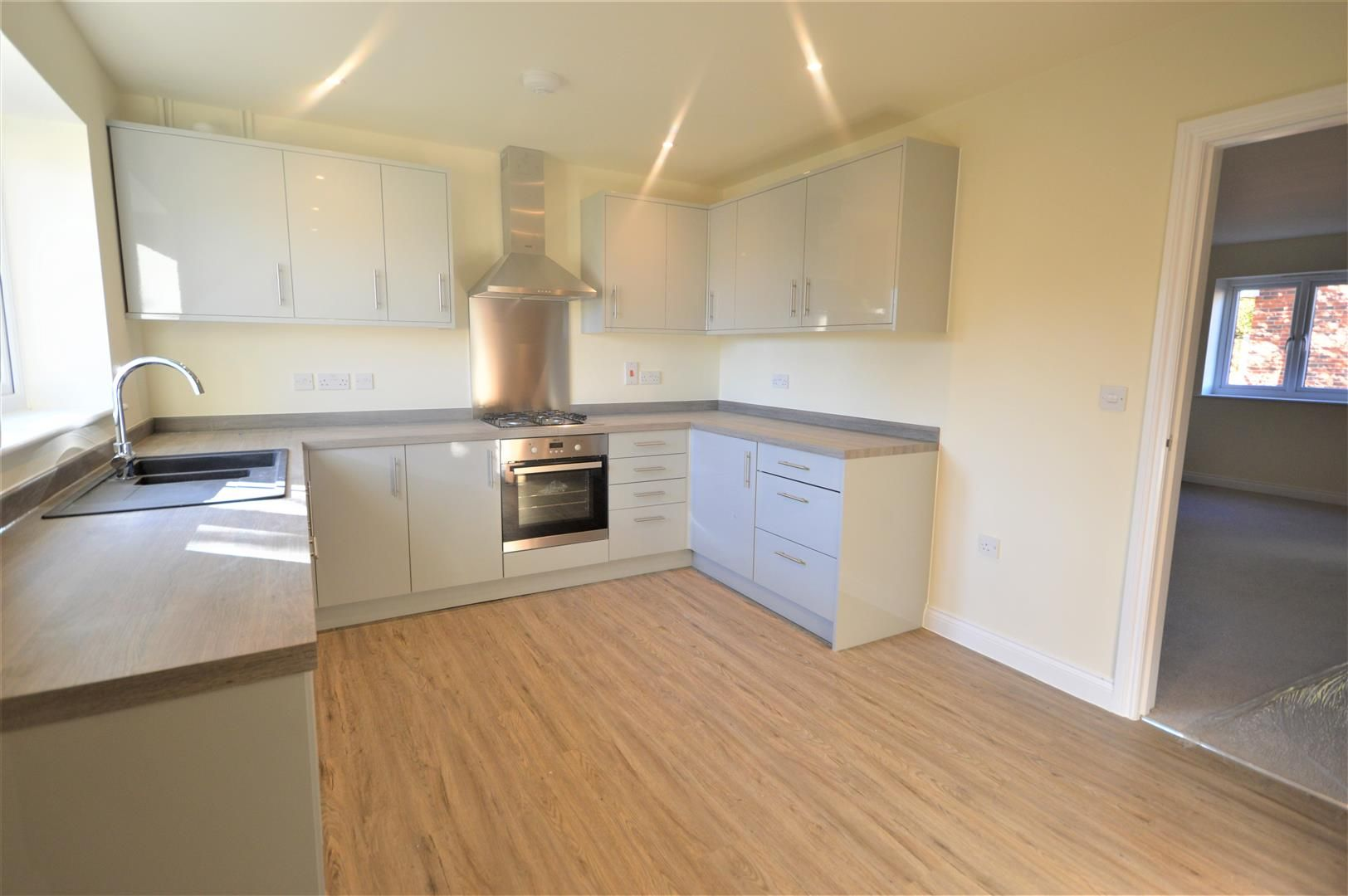 3 bed semi-detached for sale in Kingsland 3