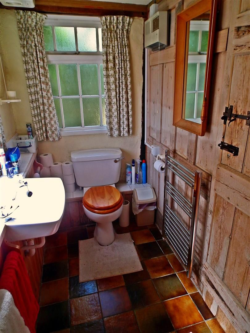 3 bed cottage for sale in Weobley 18