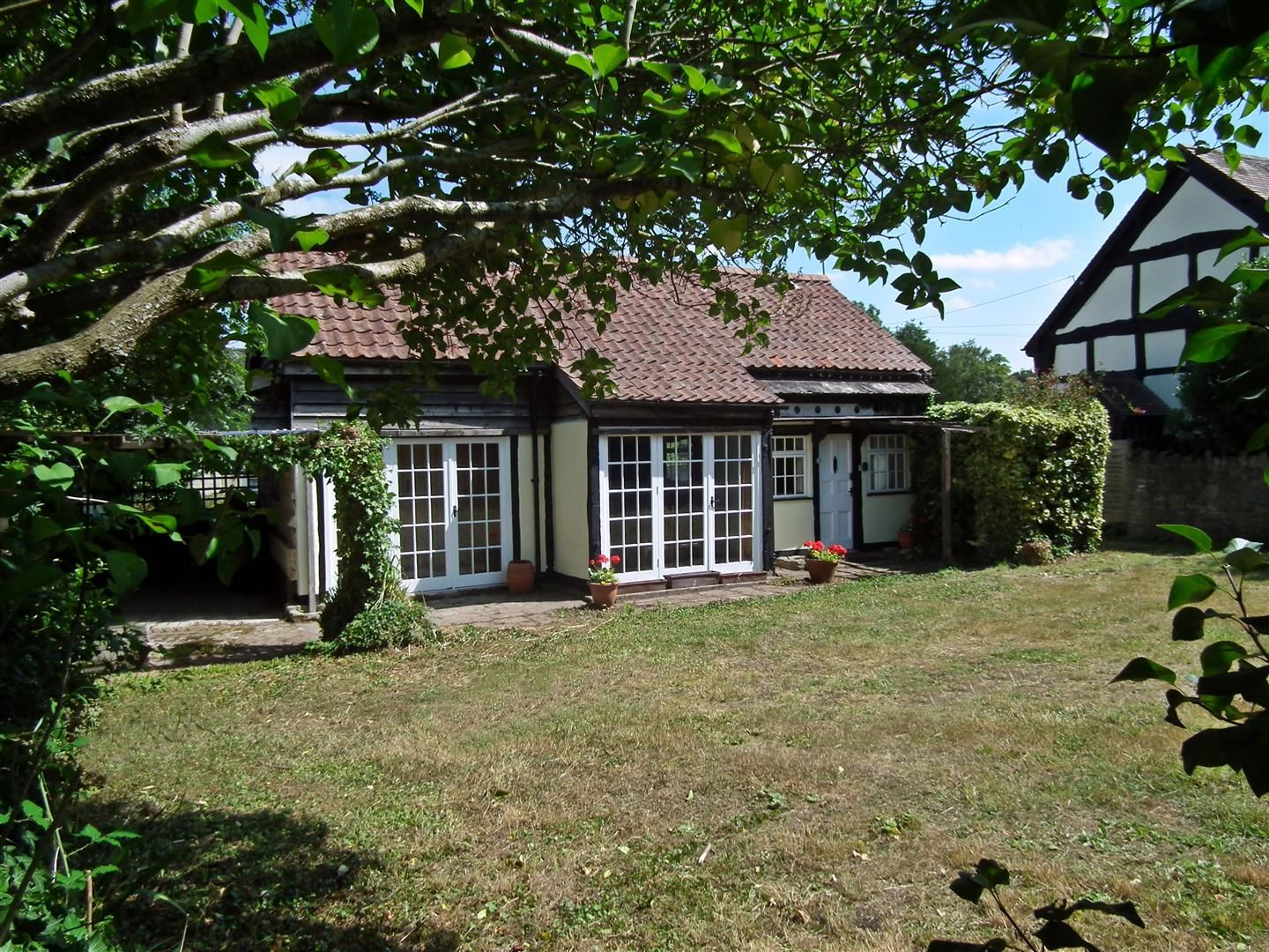 3 bed cottage for sale in Weobley 19