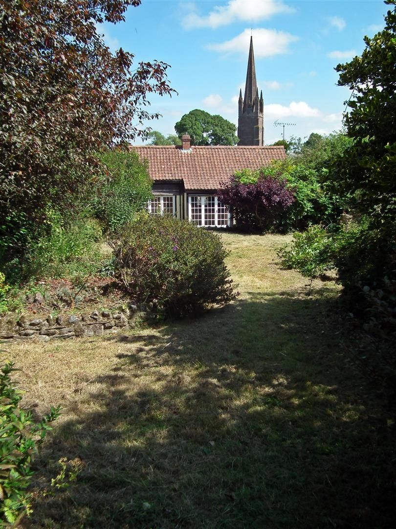 3 bed cottage for sale in Weobley 21