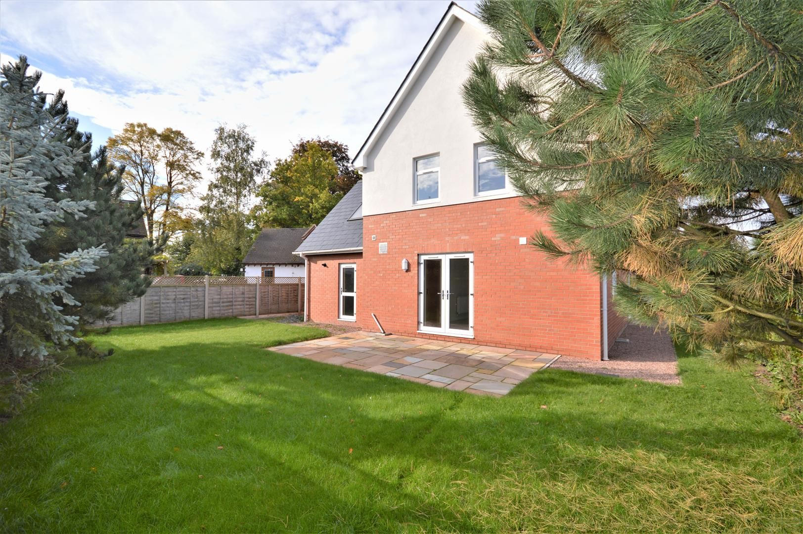 4 bed detached for sale in Kings Acre - Property Image 1