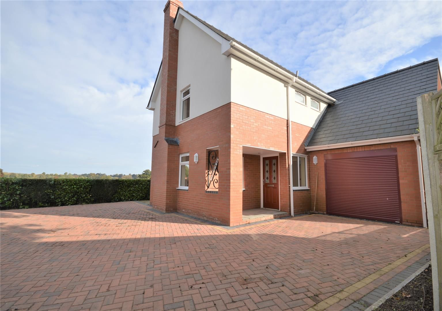 4 bed detached for sale in Kings Acre 4