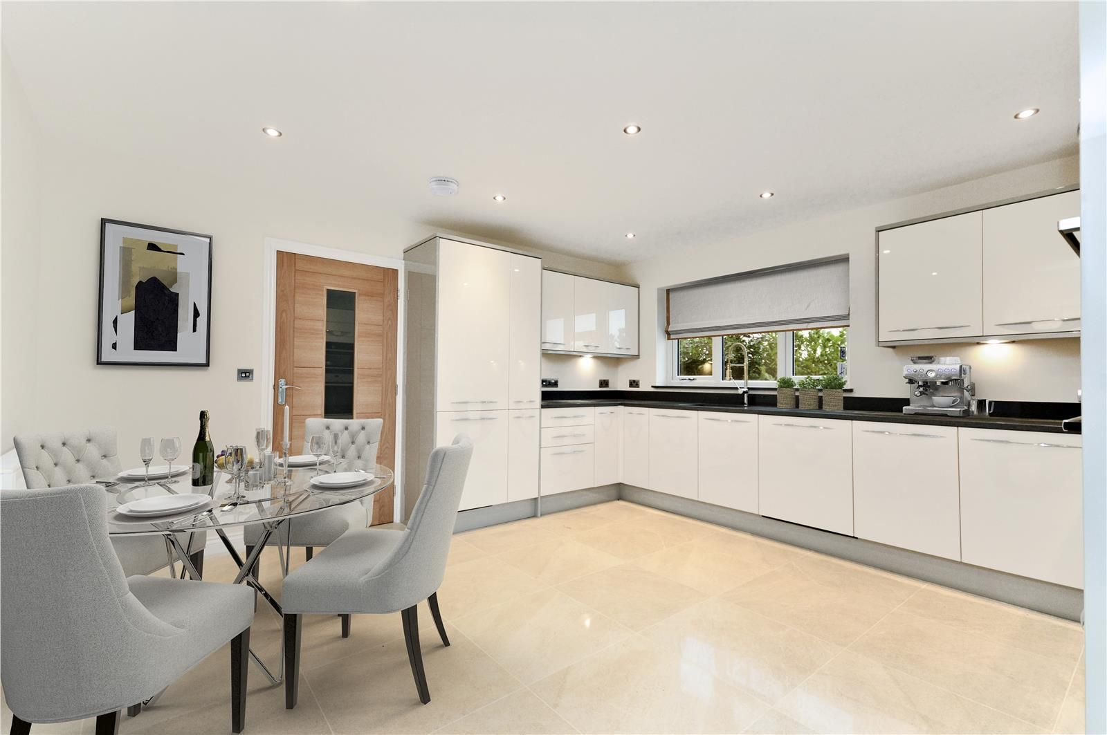 4 bed detached for sale in Kings Acre 6