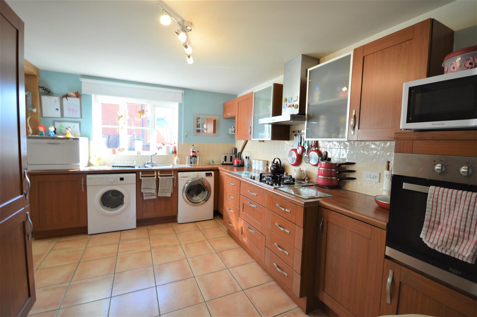 4 bed semi-detached for sale in Leominster 2