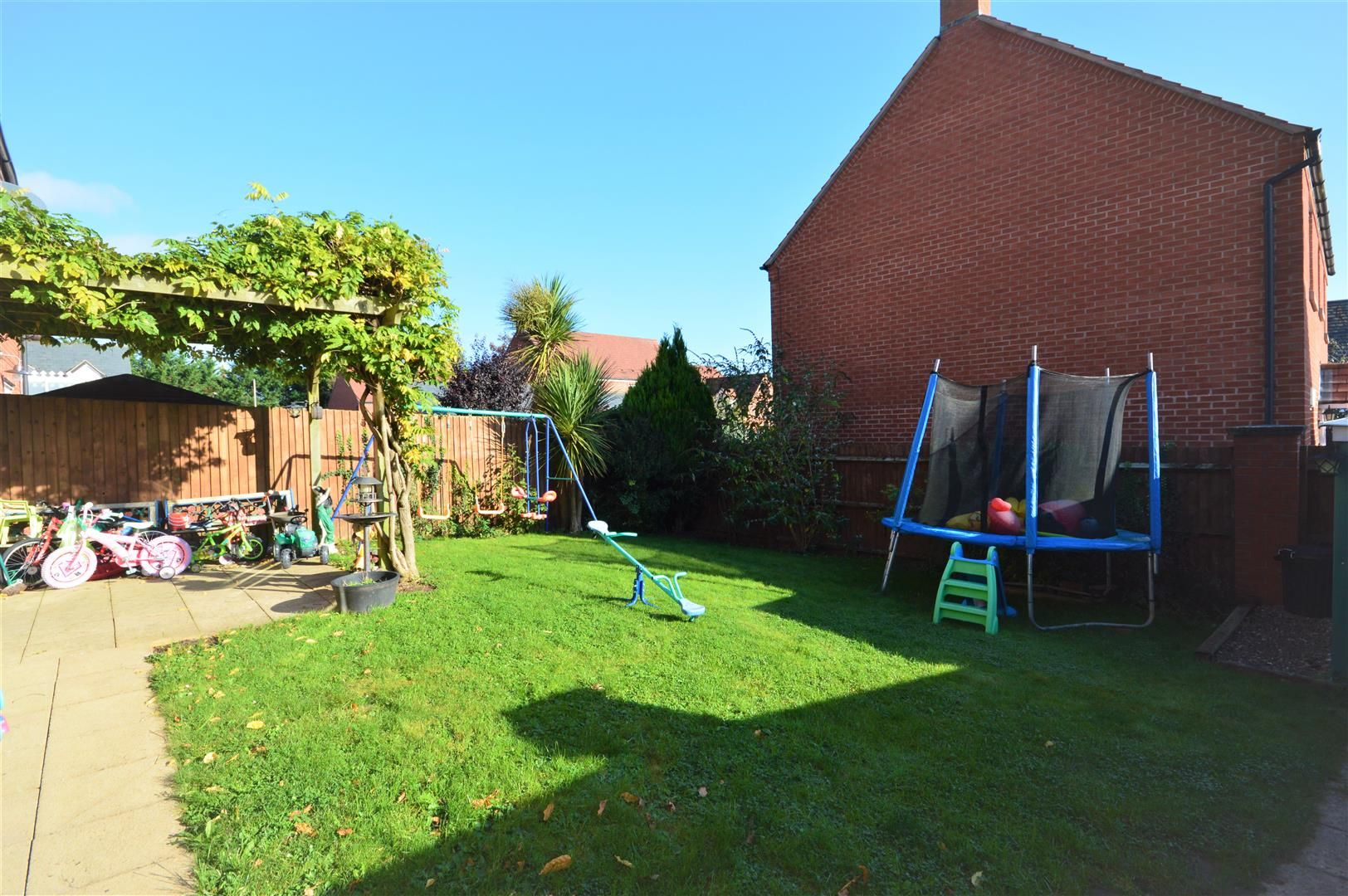 4 bed semi-detached for sale in Leominster 6