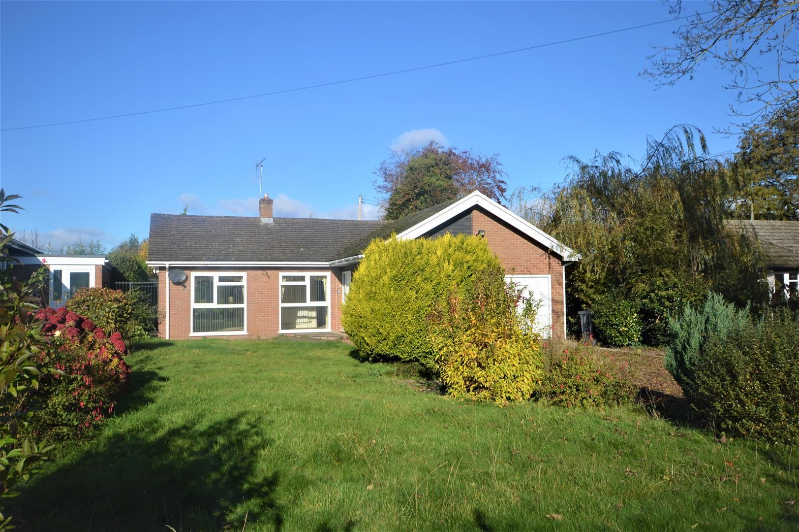 3 bed detached-bungalow for sale in Leominster - Property Image 1