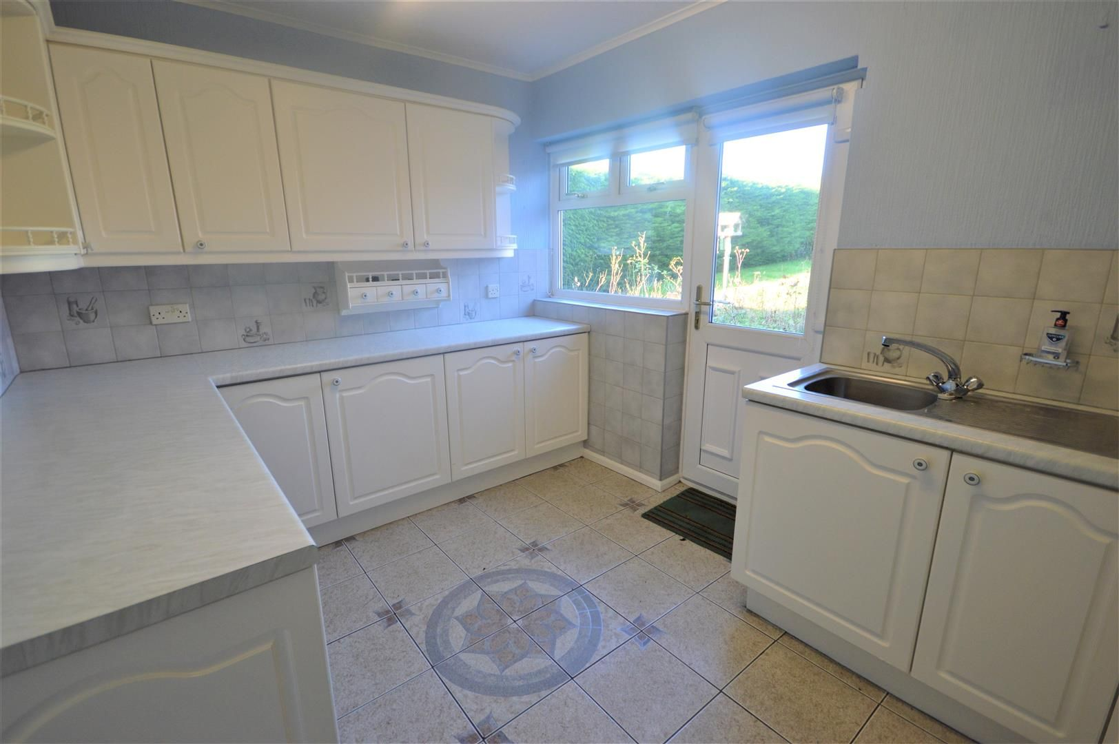3 bed detached-bungalow for sale in Leominster 3