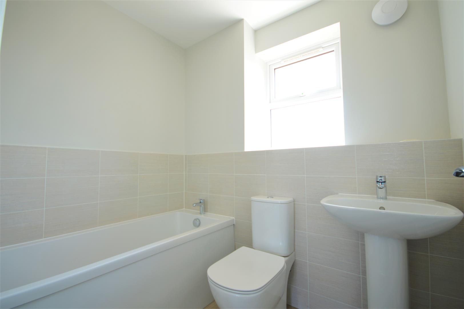 3 bed detached for sale in Kingstone 7