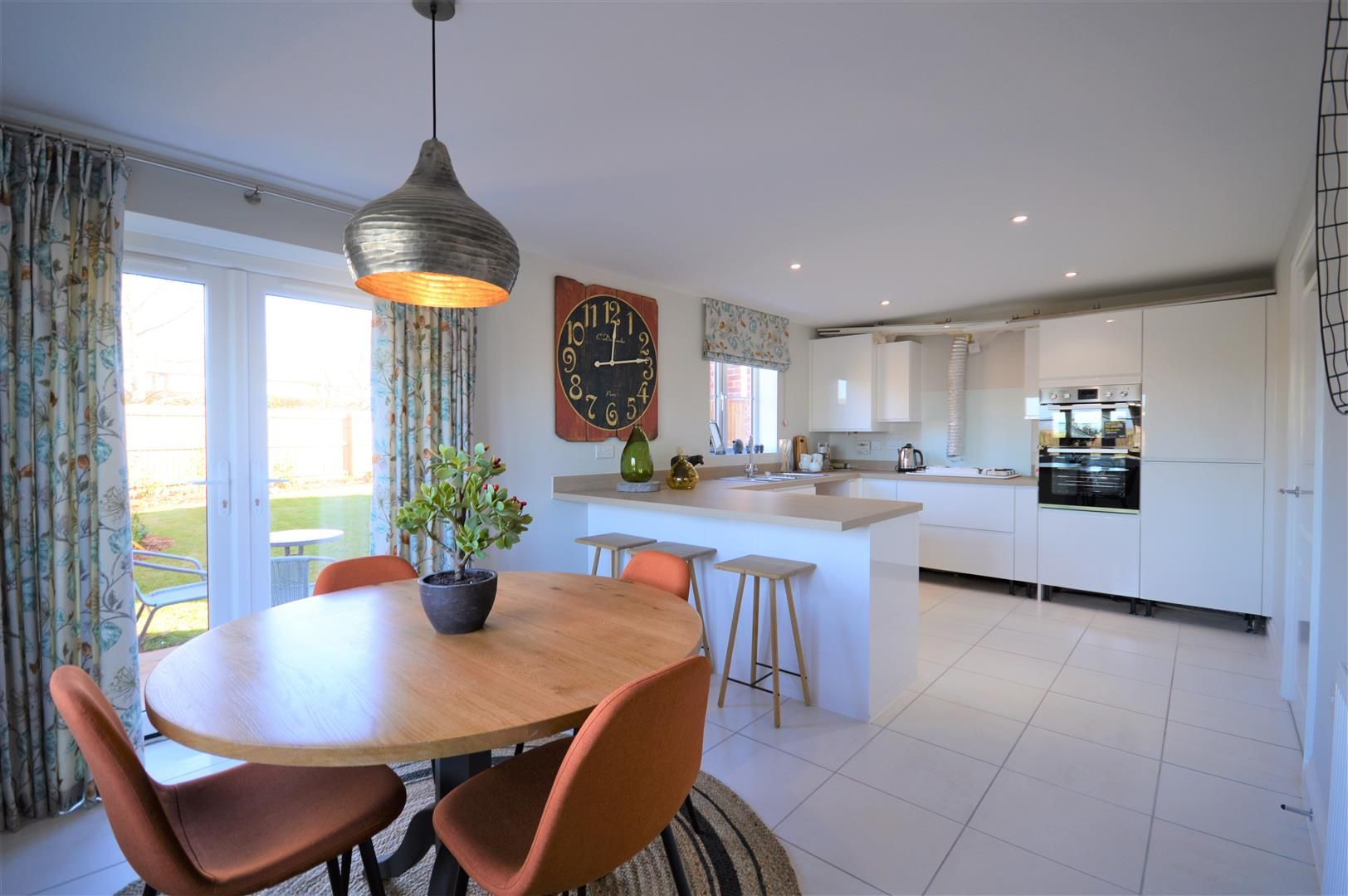 3 bed detached for sale in Kingstone 2