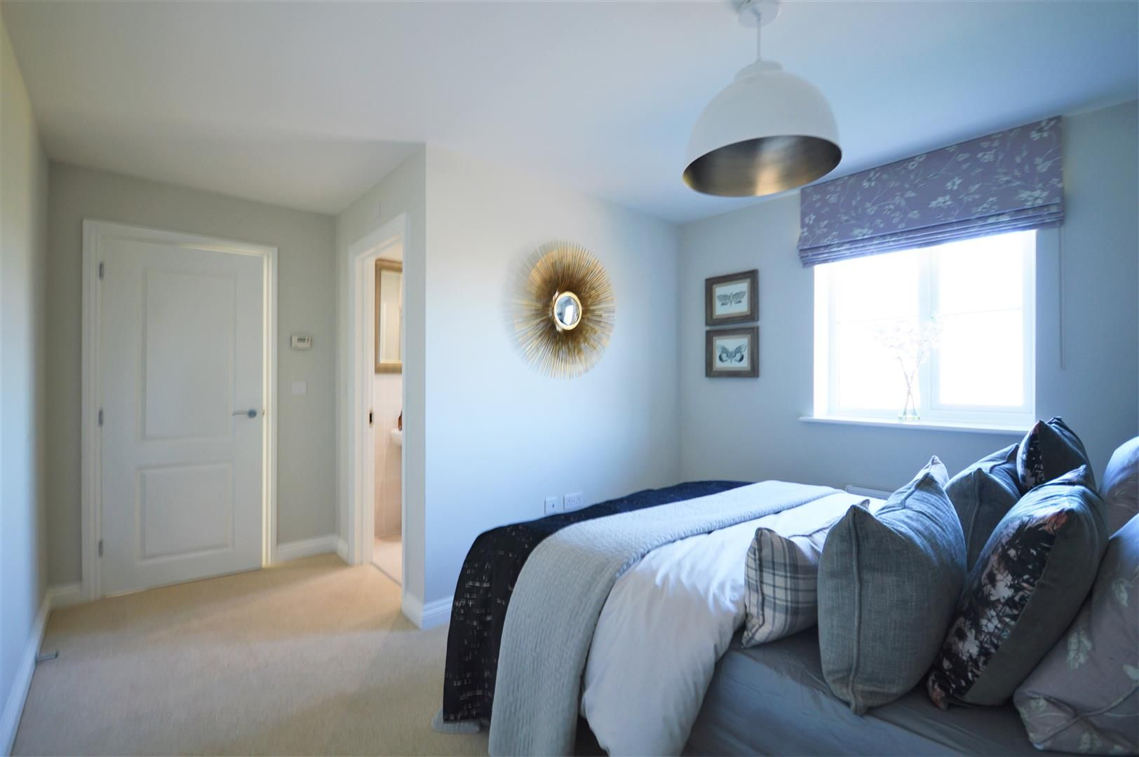 3 bed detached for sale in Kingstone 5
