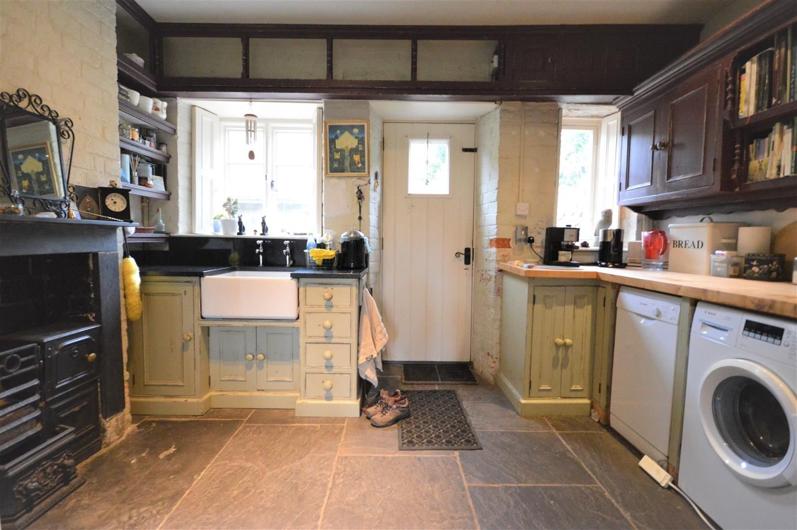 2 bed cottage for sale in Norton 2