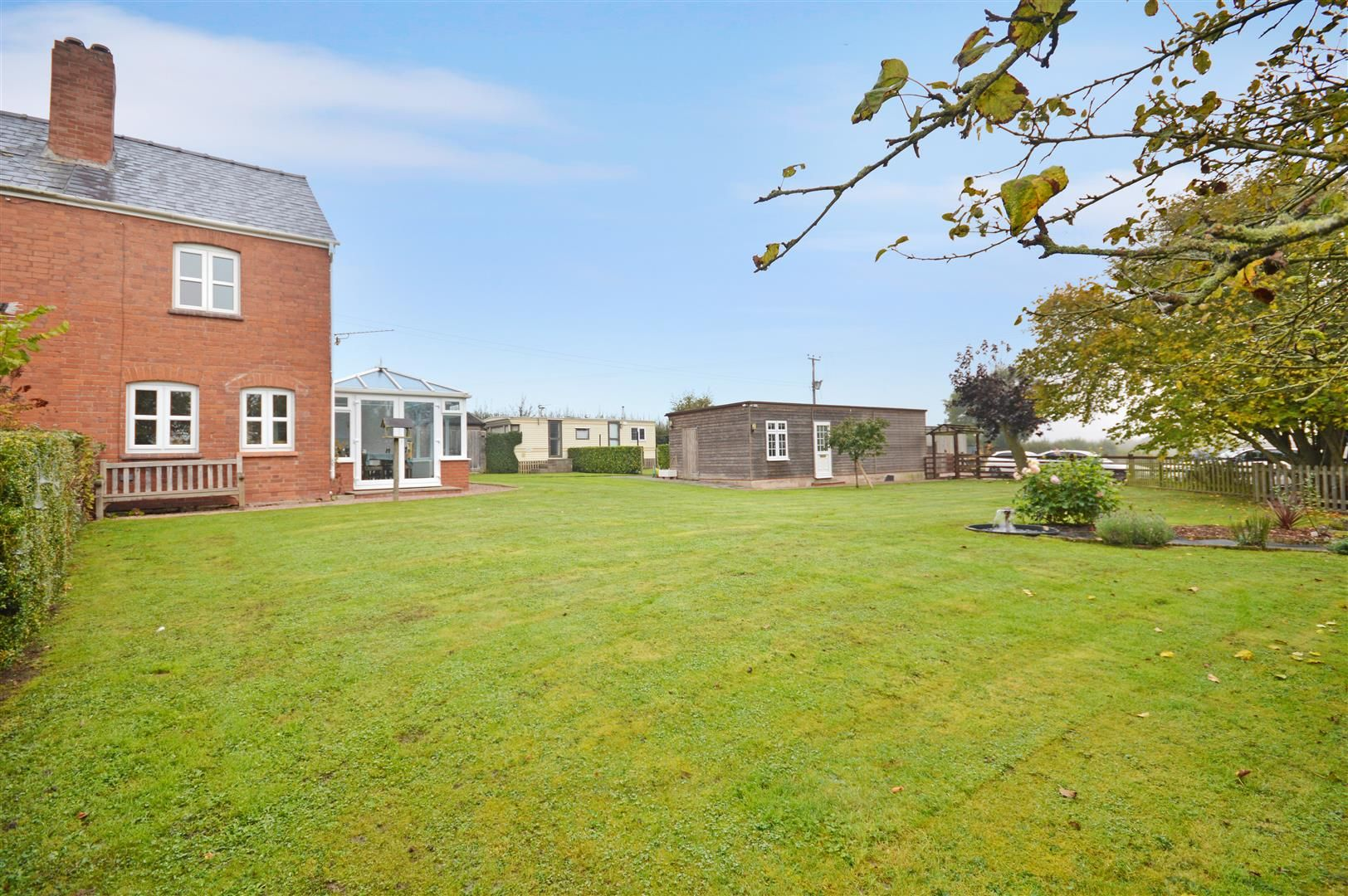 3 bed semi-detached for sale in Sutton St. Nicholas  - Property Image 7