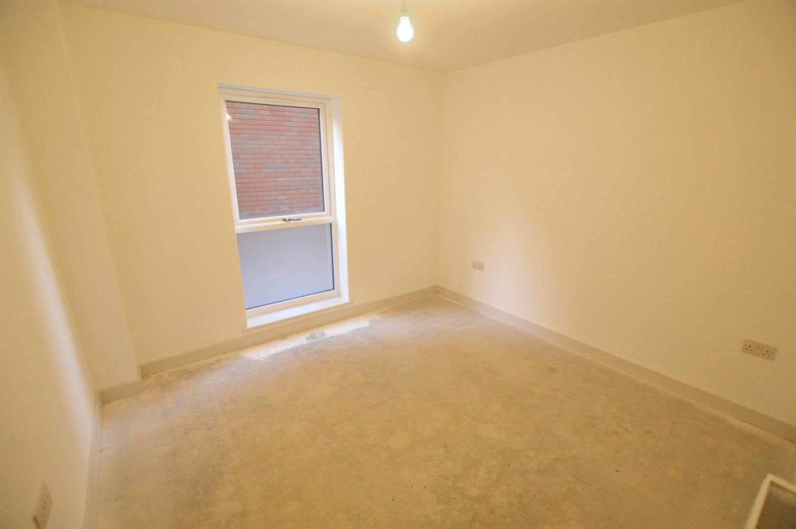 2 bed apartment for sale in Leominster 3
