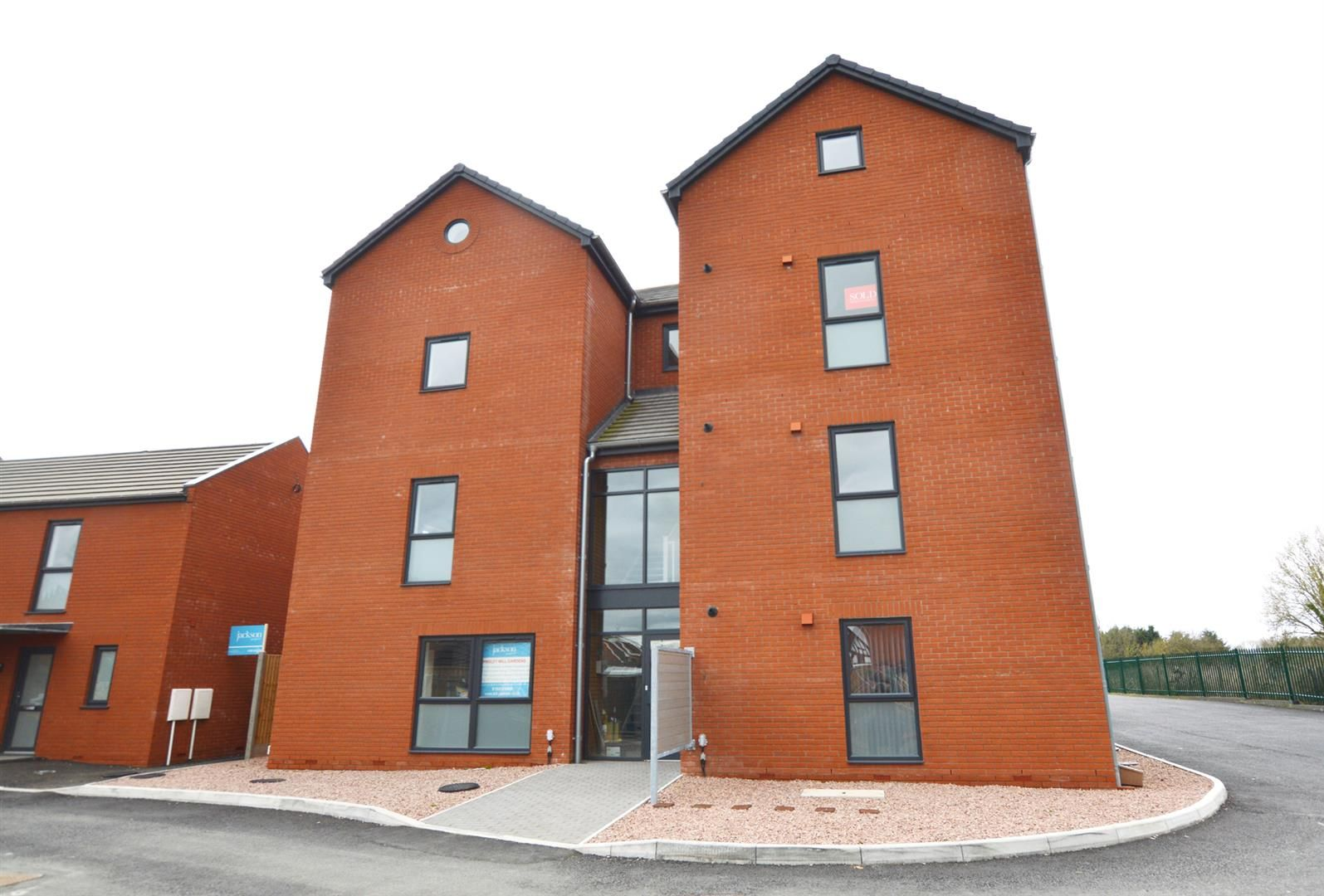 2 bed apartment for sale in Leominster, HR6