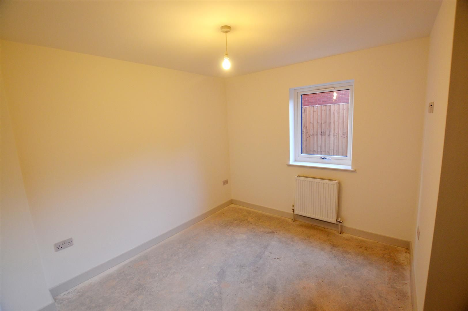 2 bed apartment for sale in Leominster 6