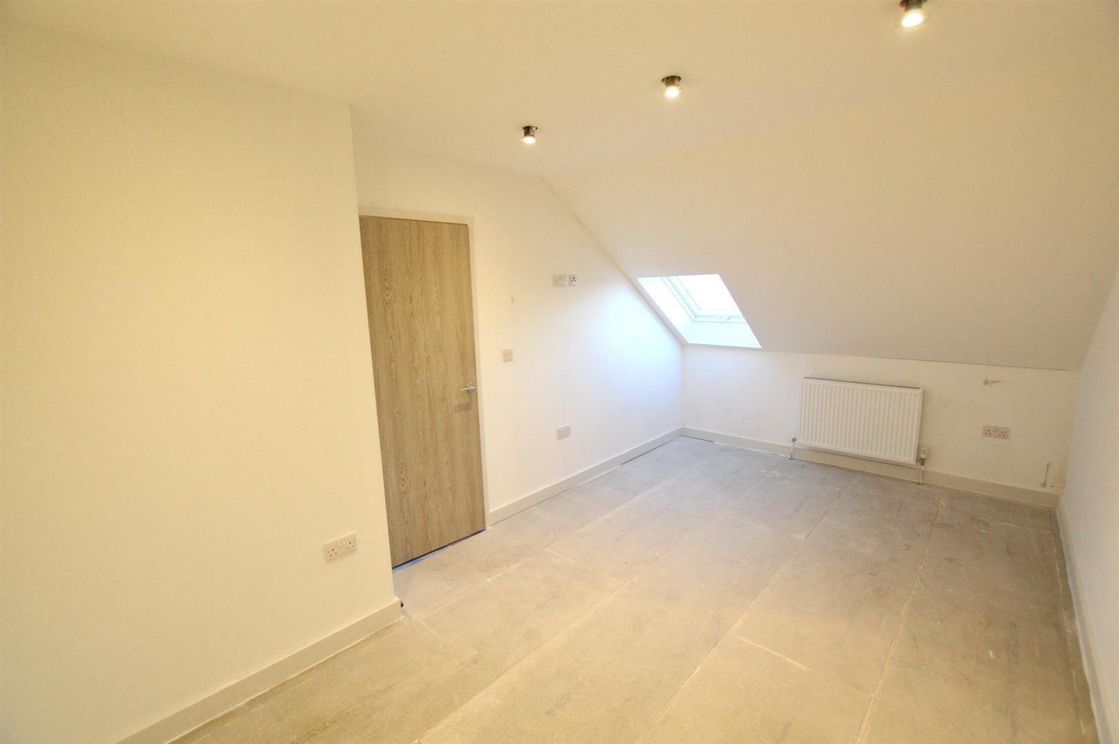 1 bed apartment for sale in Leominster 6