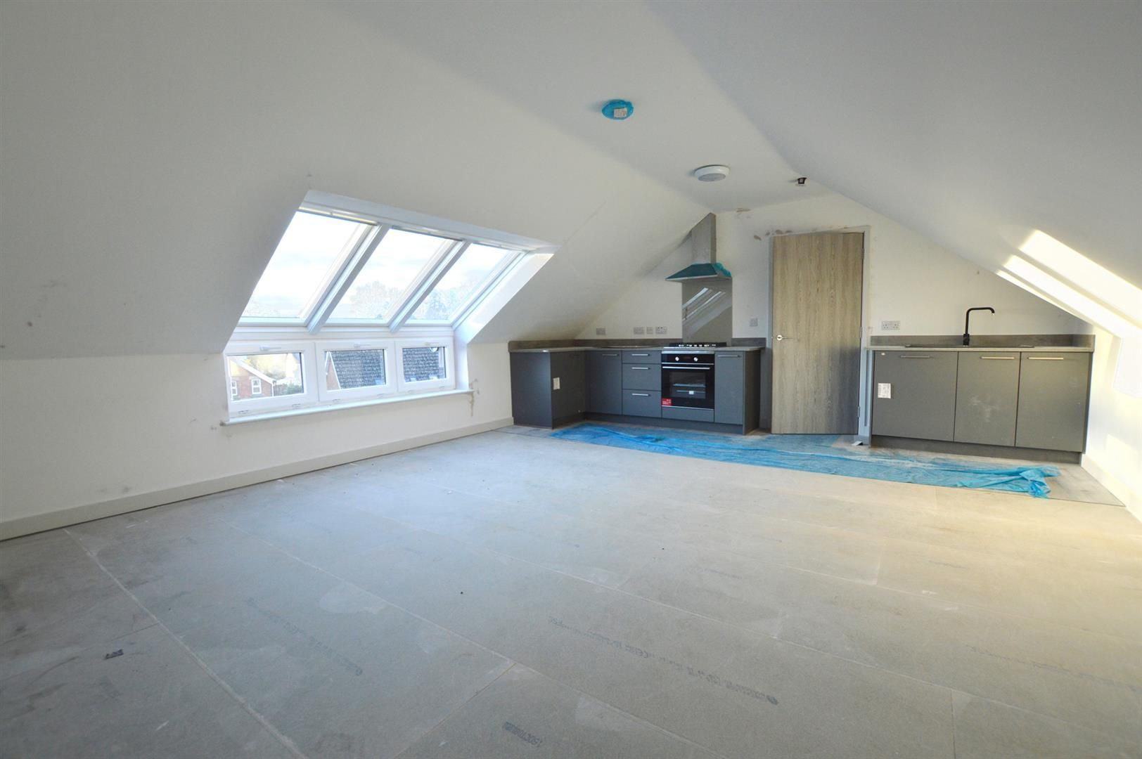 1 bed apartment for sale in Leominster 7