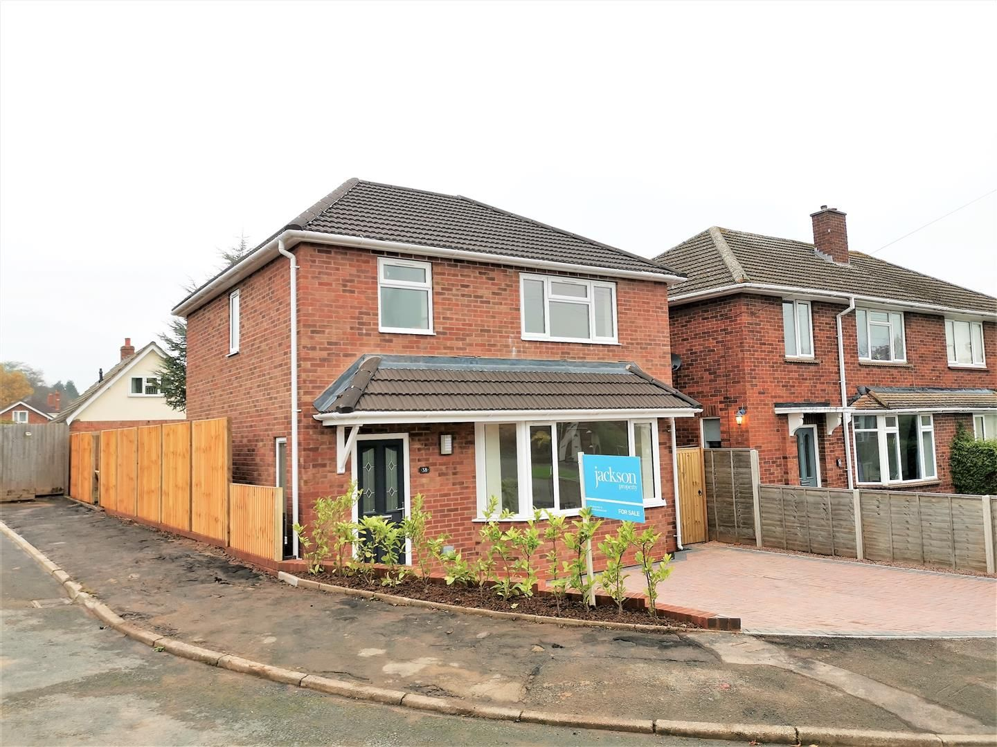 3 bed detached for sale 3