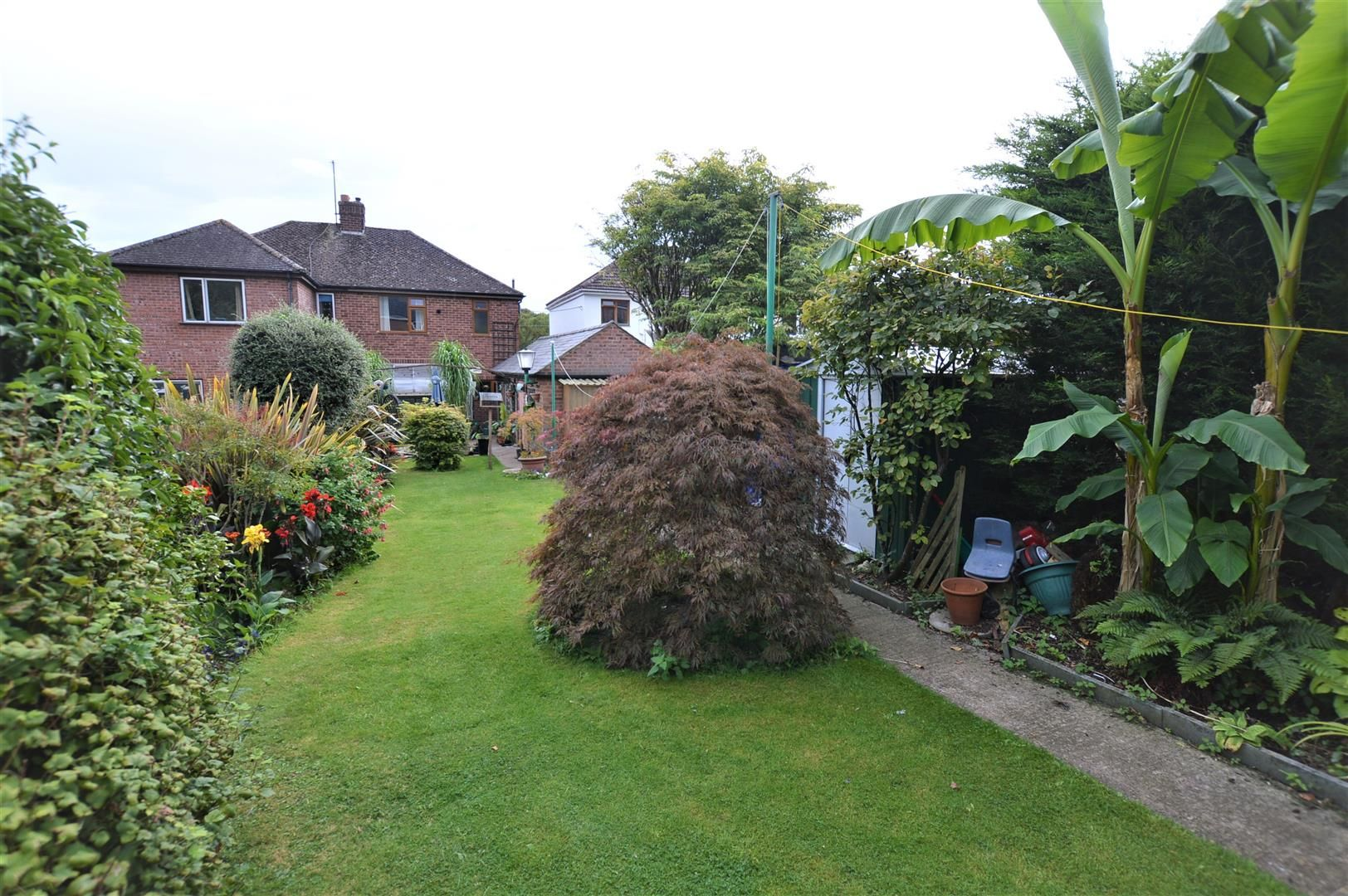 3 bed semi-detached for sale in Hereford 2