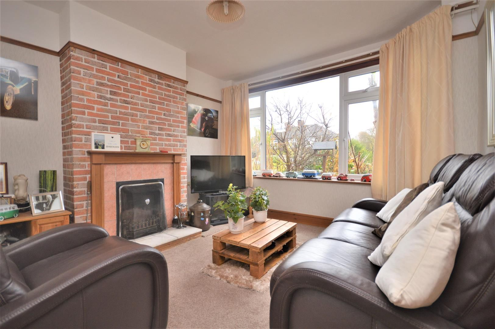 3 bed semi-detached for sale in Hereford 5
