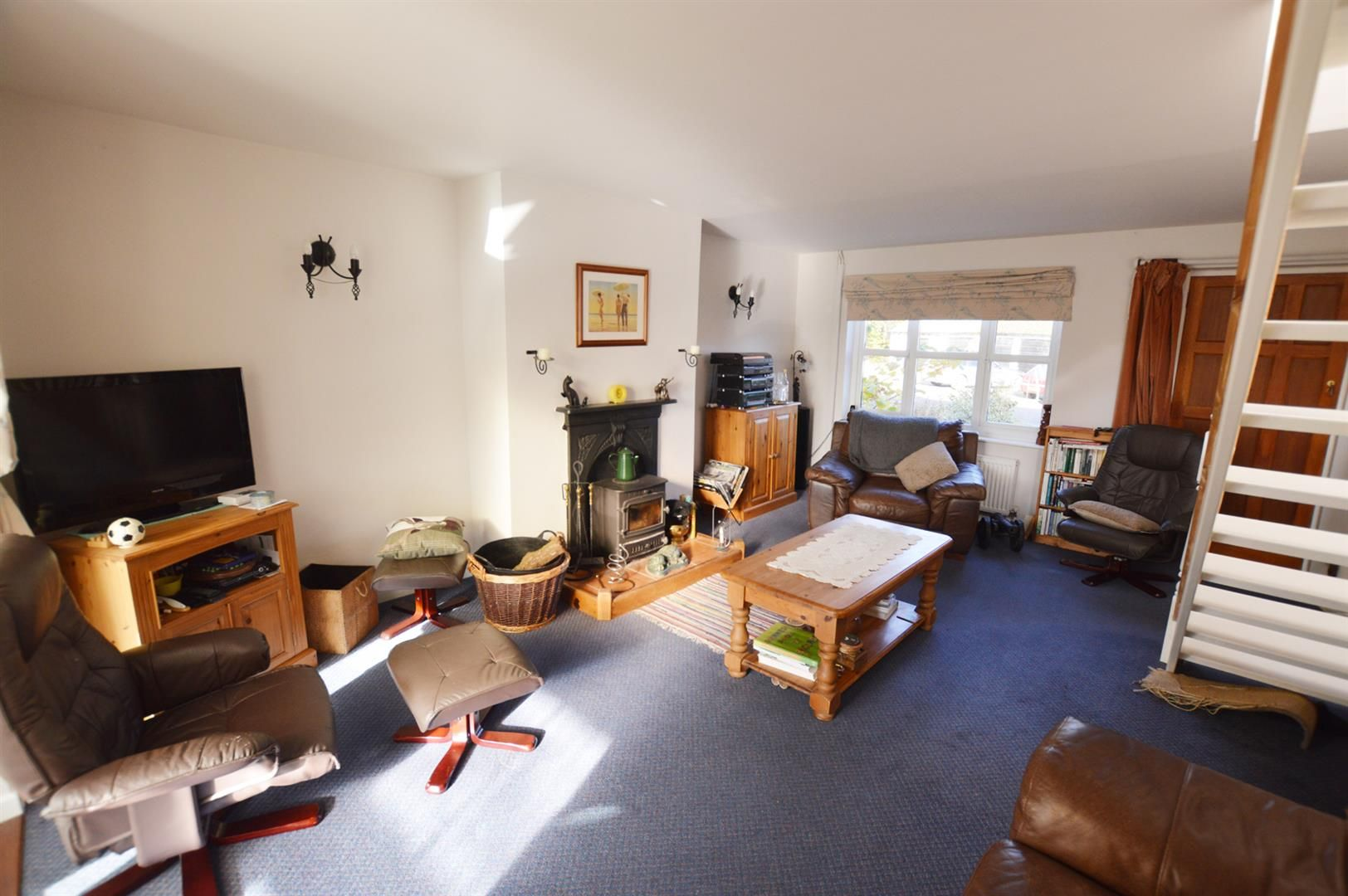 3 bed semi-detached for sale in Dilwyn 2