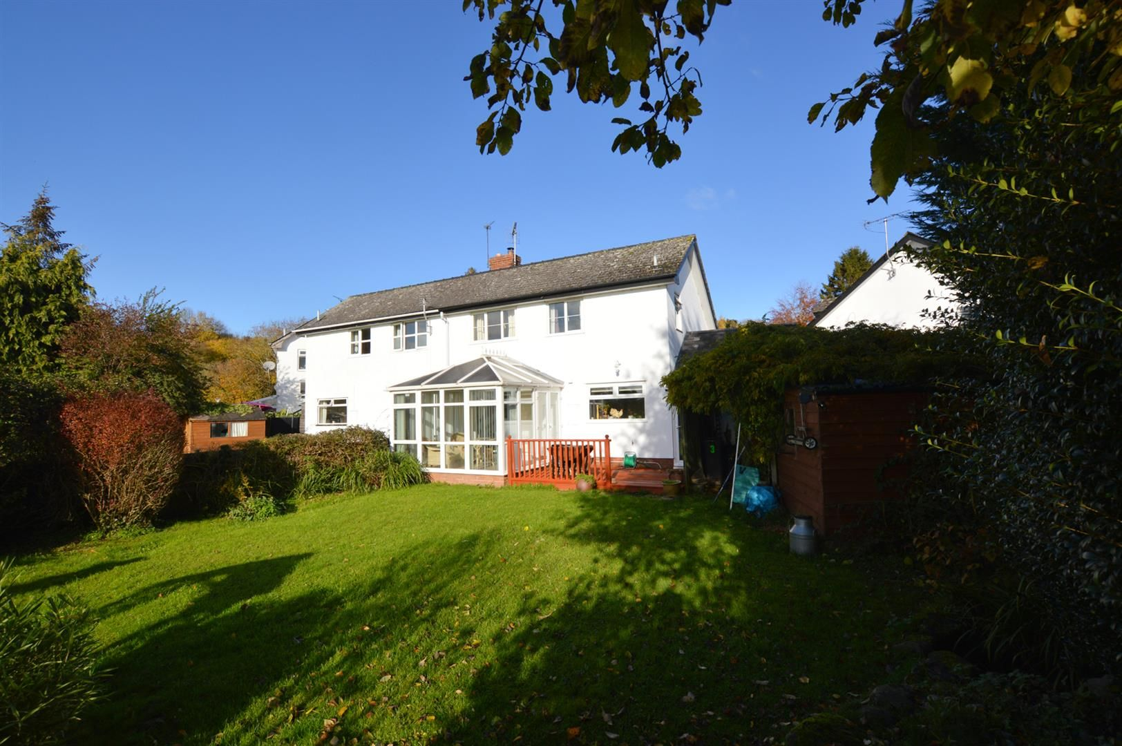 3 bed semi-detached for sale in Dilwyn 10